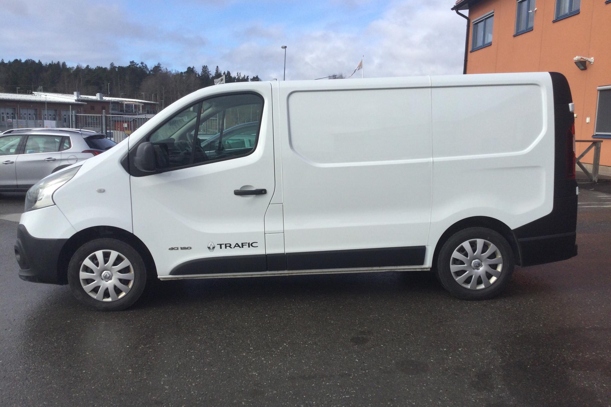 Renault Trafic 1.6 dCi Skåp (120hk) - 9 907 mil - Manuell - vit - 2017