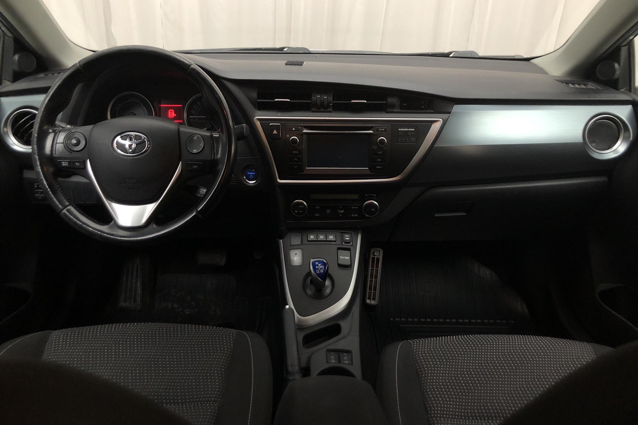 Toyota Auris 1.8 HSD 5dr (99hk) - 122 050 km - Automatic - silver - 2014