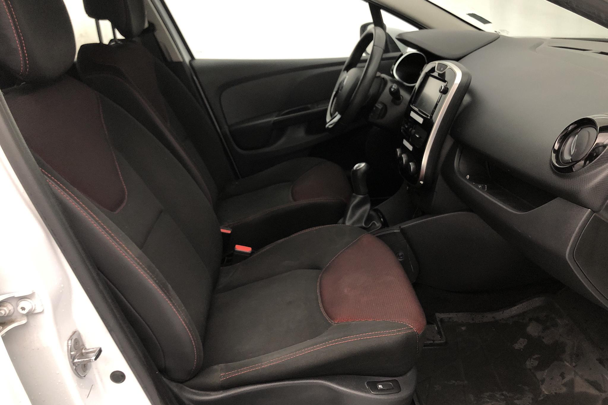 Renault Clio IV 1.5 dCi Sports Tourer (90hk) - 9 948 mil - Manuell - vit - 2016