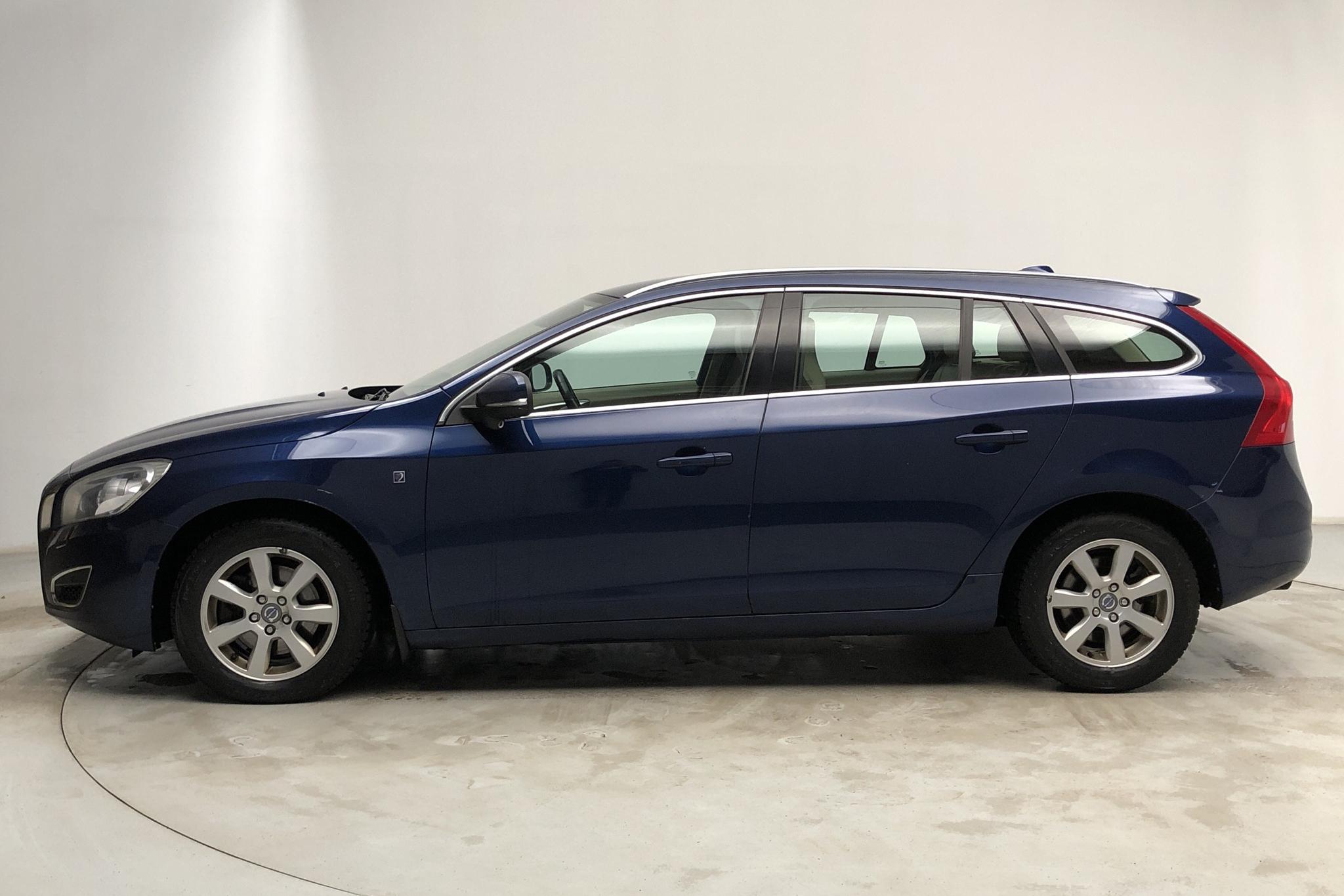Volvo V60 D3 (163hk) - 253 160 km - Automatic - blue - 2012