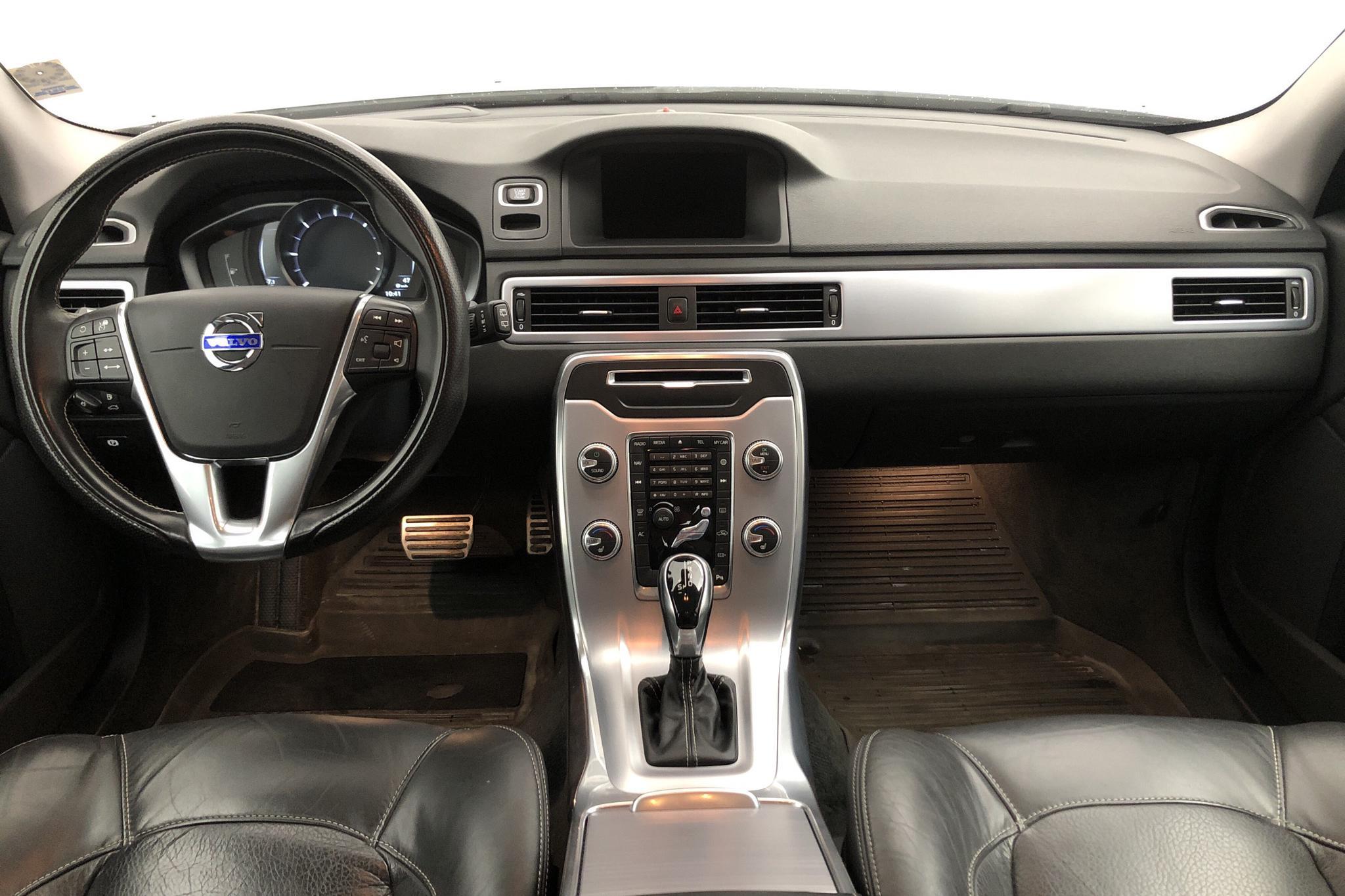 Volvo XC70 II D4 2WD (181hk) - 155 150 km - Automatic - white - 2016
