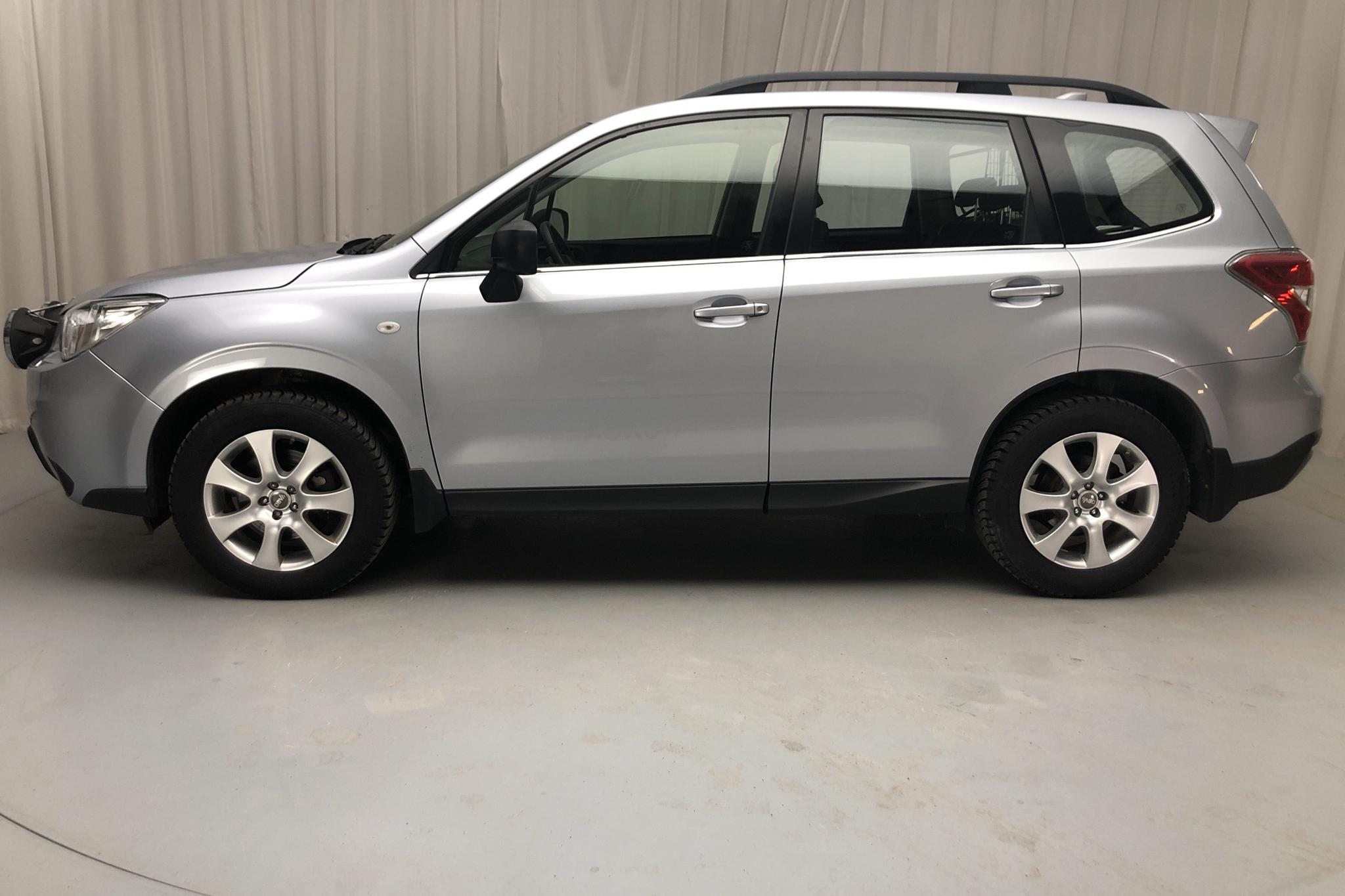Subaru Forester 2.0D (147hk) - 8 080 mil - Automat - silver - 2015