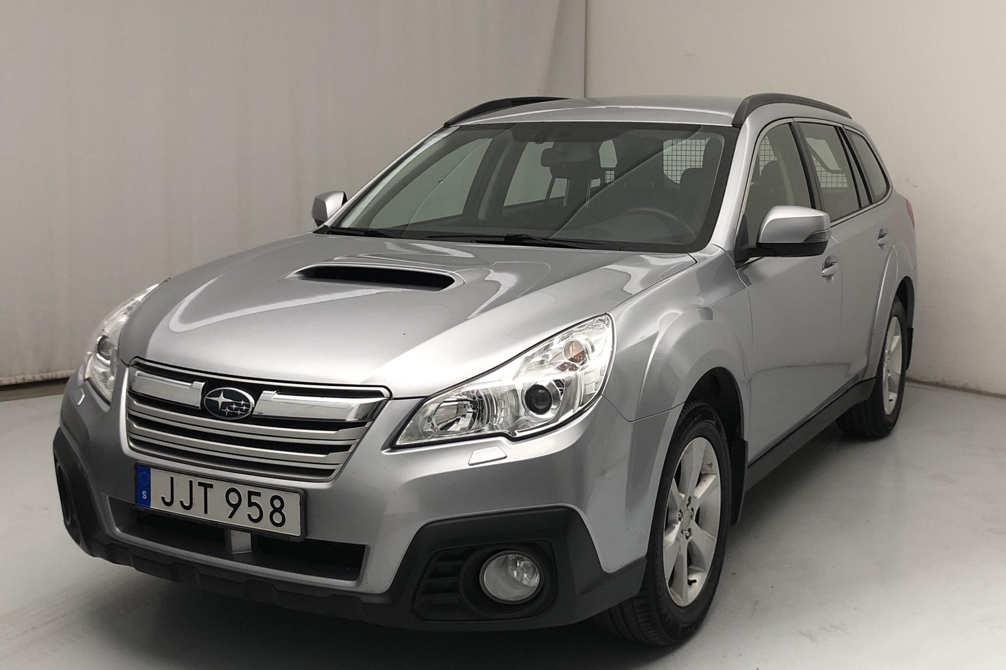 Subaru Outback 2.0D (150hk) - 18 925 mil - Manuell - silver - 2014