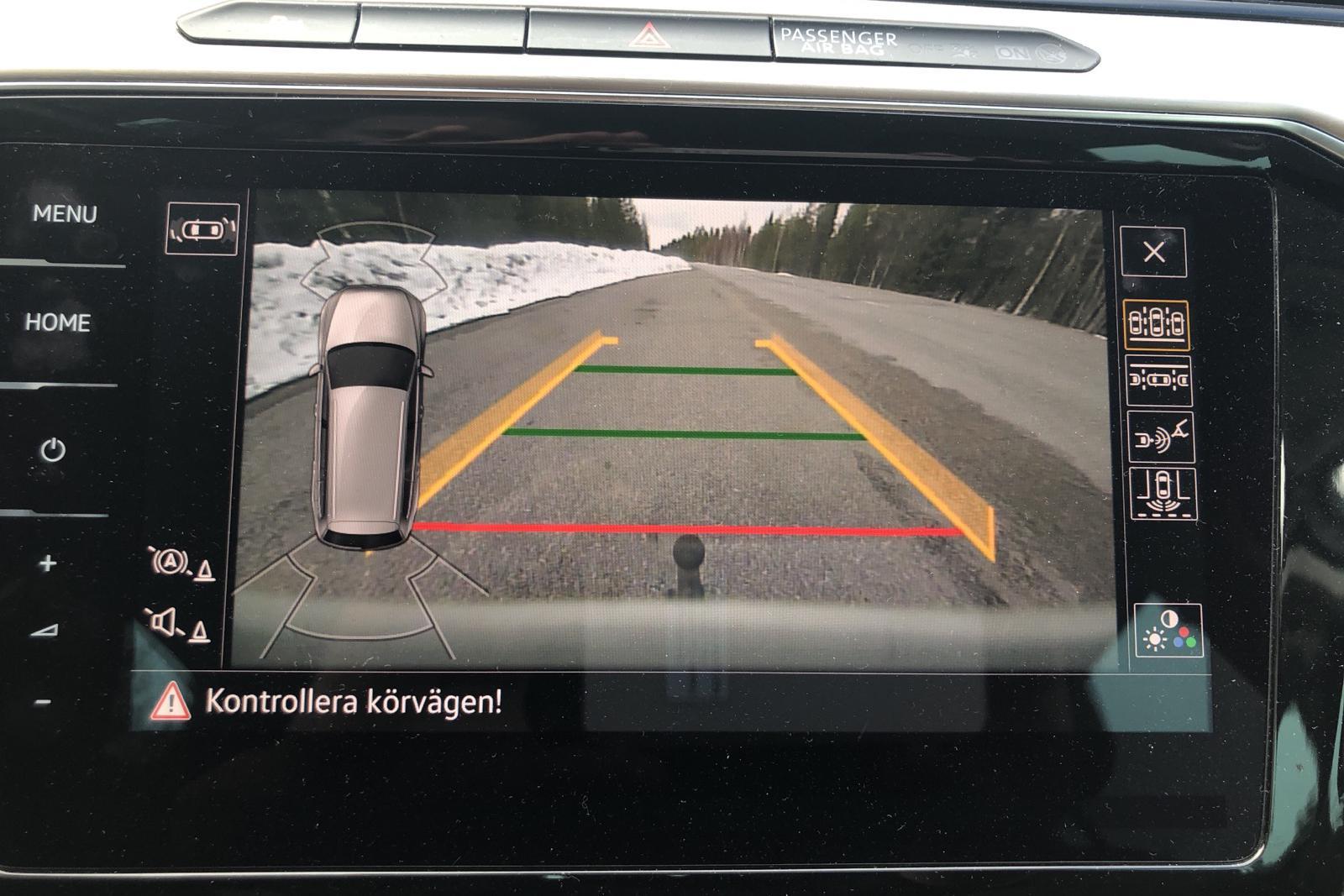 VW Passat Alltrack 2.0 TDI Sportscombi 4MOTION (190hk) - 8 236 mil - Automat - vit - 2018