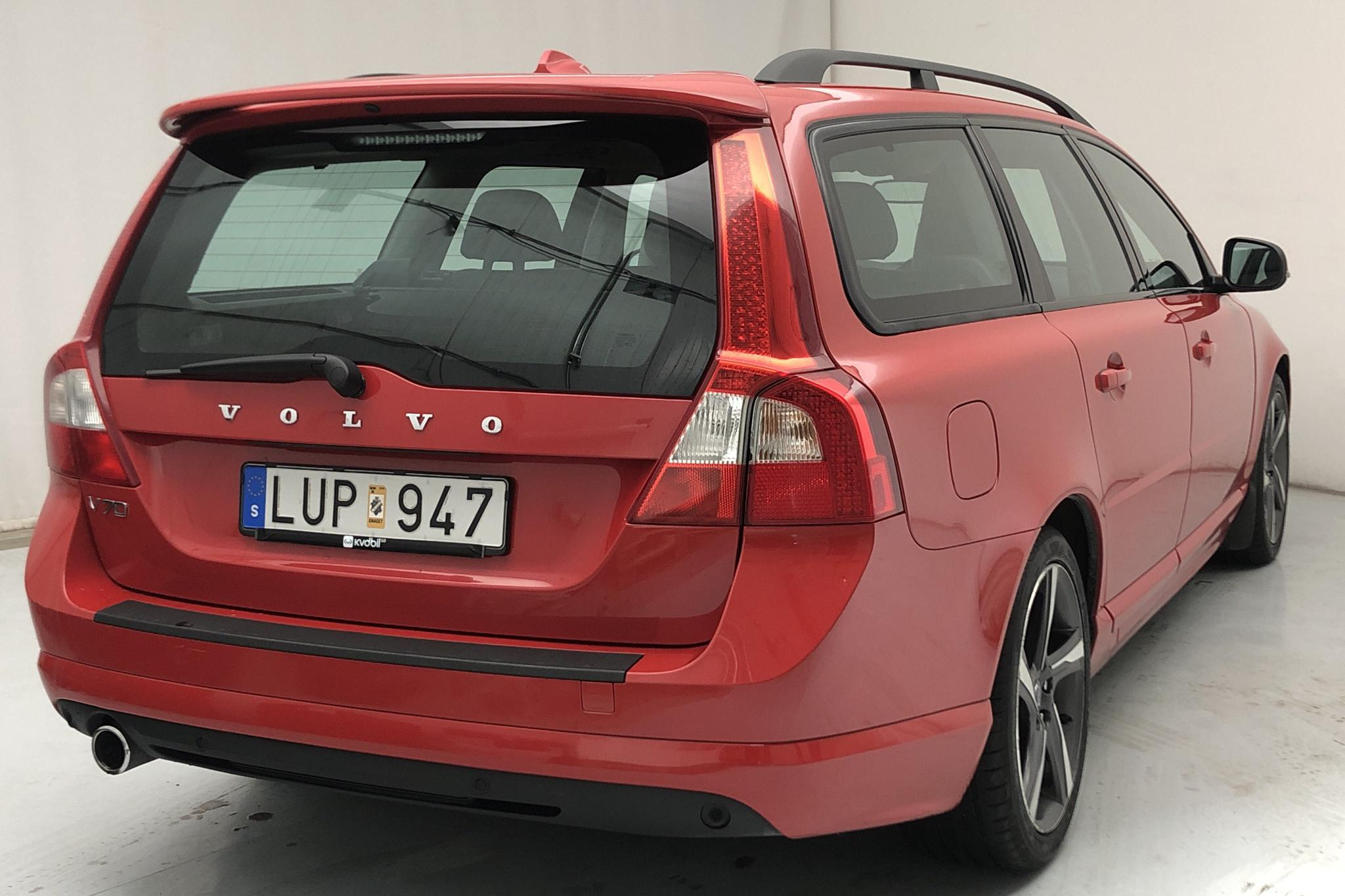 Volvo V70 II D3 (163hk) - 155 170 km - Automatic - red - 2012