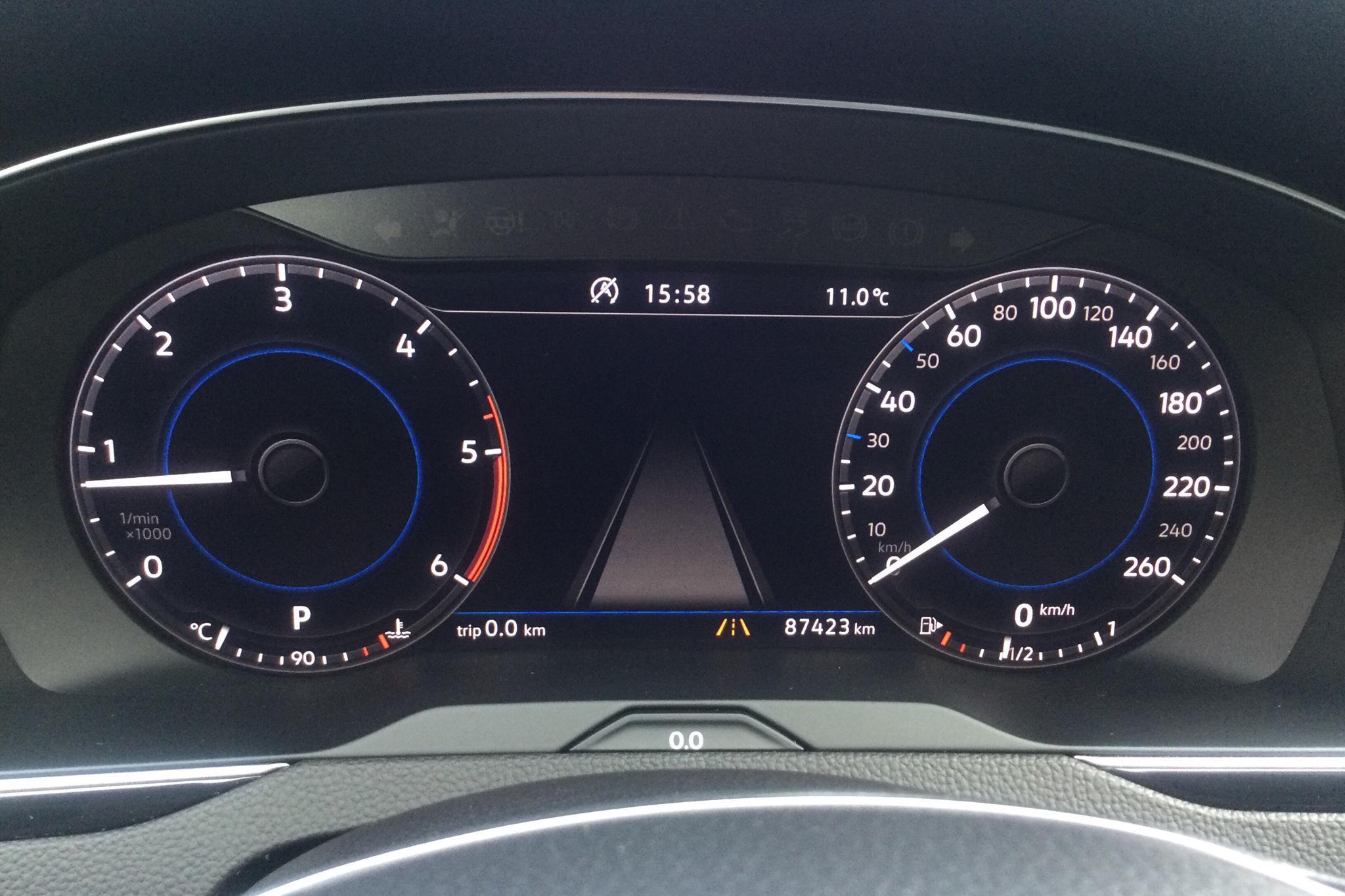VW Passat 2.0 TDI Sportscombi 4MOTION (190hk) - 8 742 mil - Automat - svart - 2018