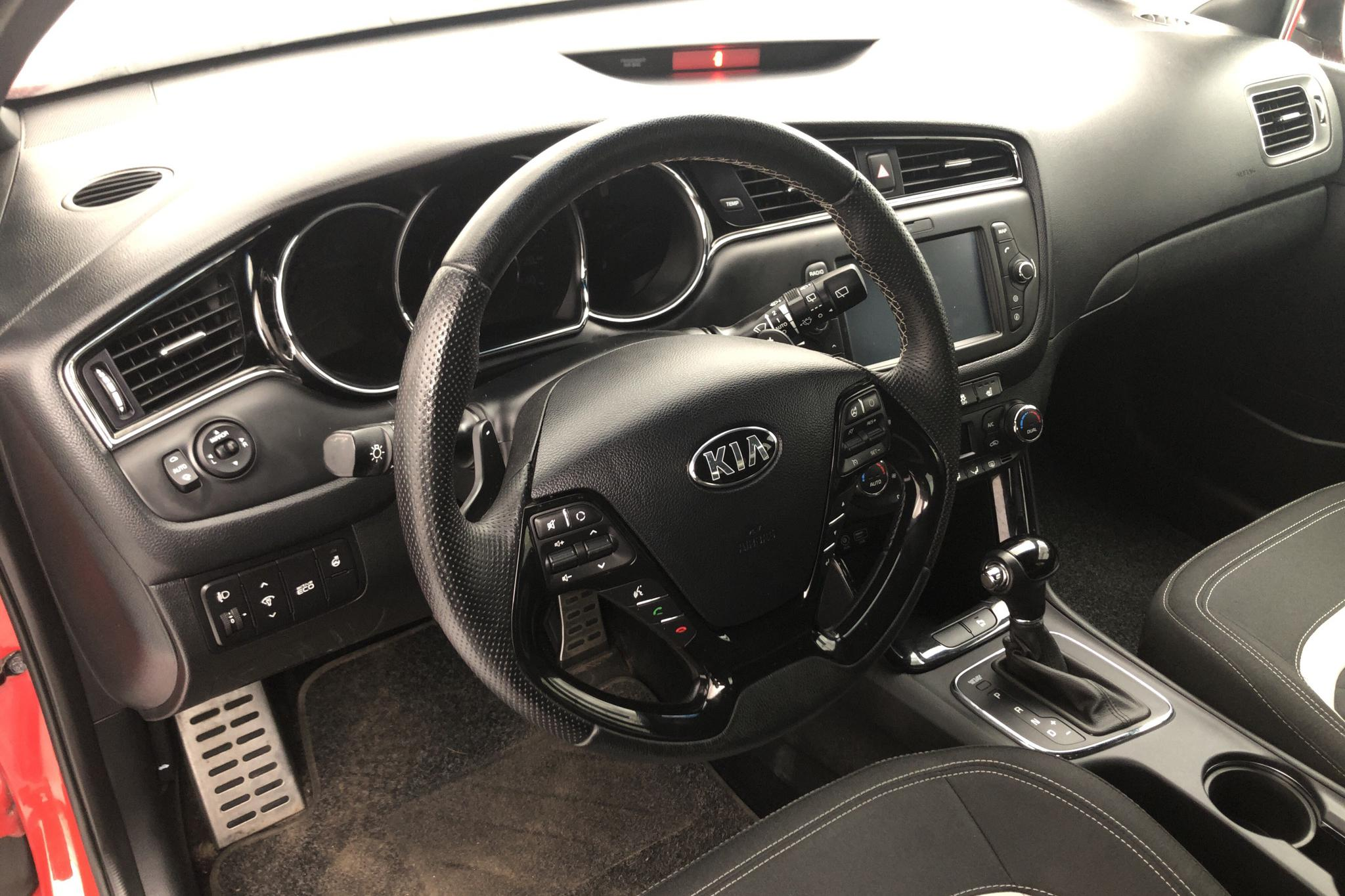 KIA Cee'd 1.6 SW (135hk) - 47 470 km - Automatic - red - 2018