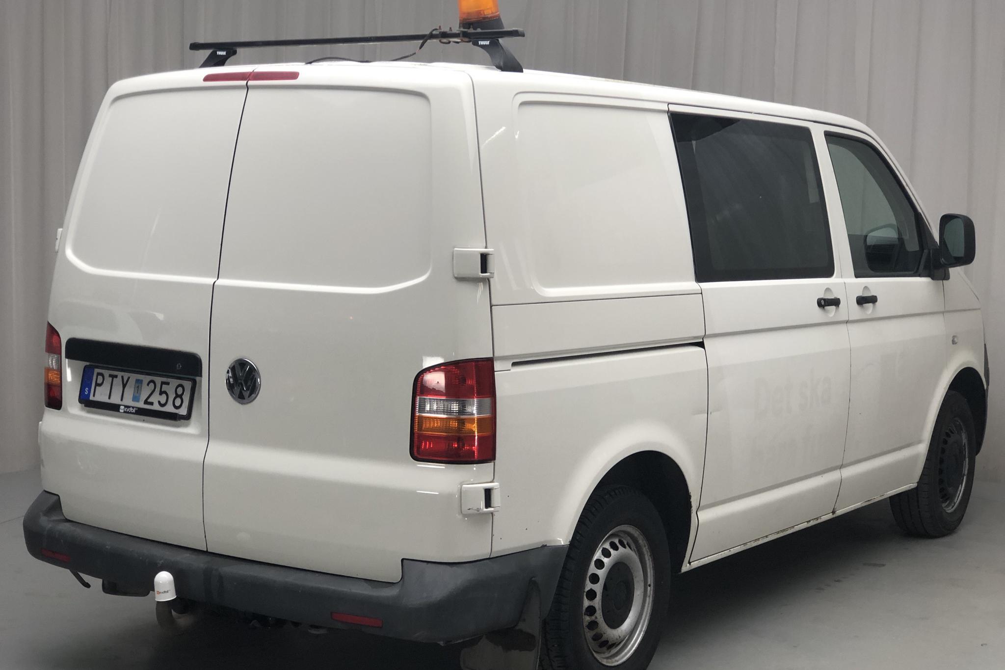 VW Transporter T5 2.5 TDI (130hk) - 149 610 km - Automatic - 2007
