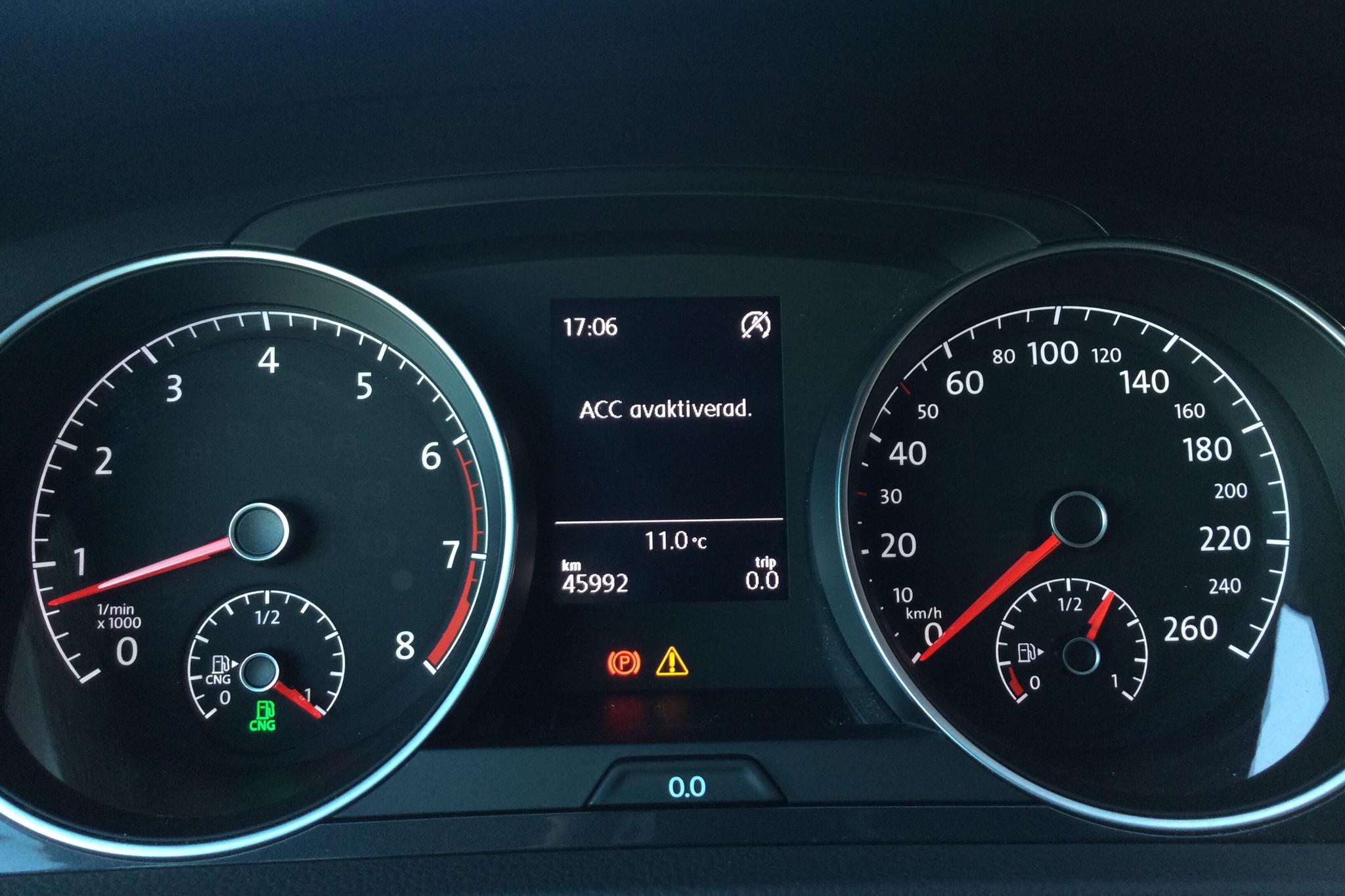 VW Golf VII 1.4 TGI BlueMotion Sportscombi (110hk) - 4 599 mil - Manuell - svart - 2018