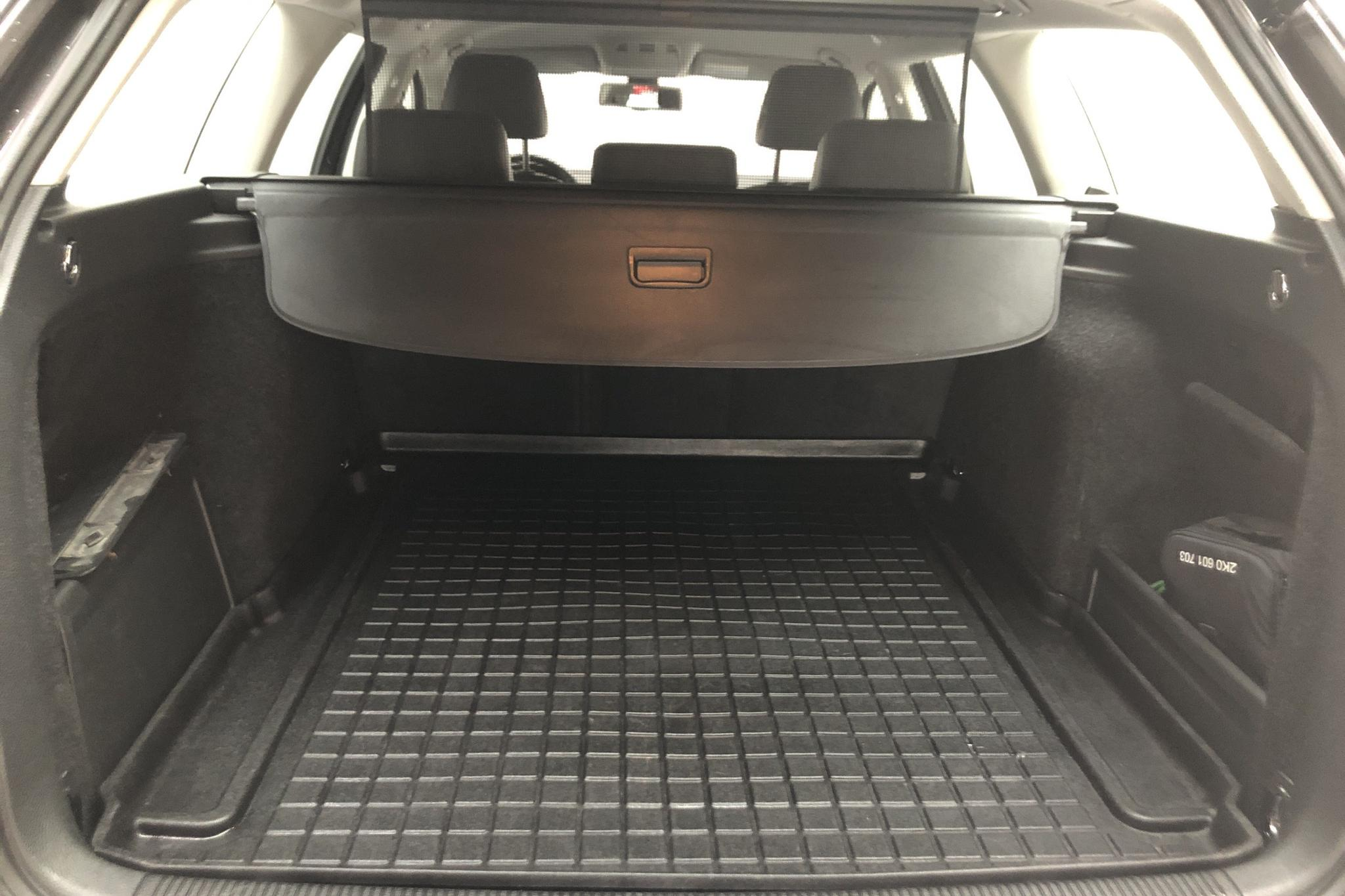 VW Passat 1.4 TSI EcoFuel Variant (150hk) - 19 163 mil - Automat - Dark Brown - 2010