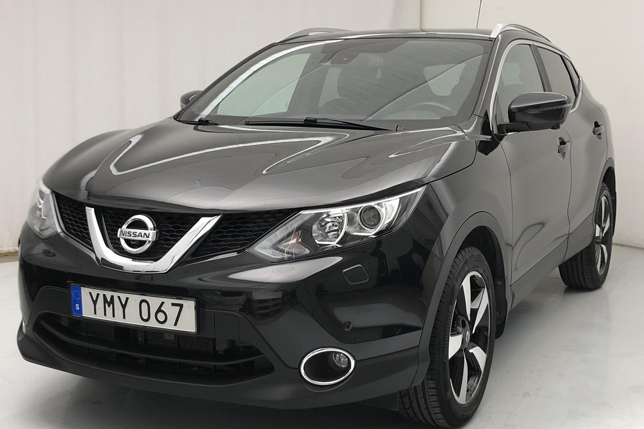 Nissan Qashqai 1.2 (115hk) - 5 658 mil - Automat - svart - 2017