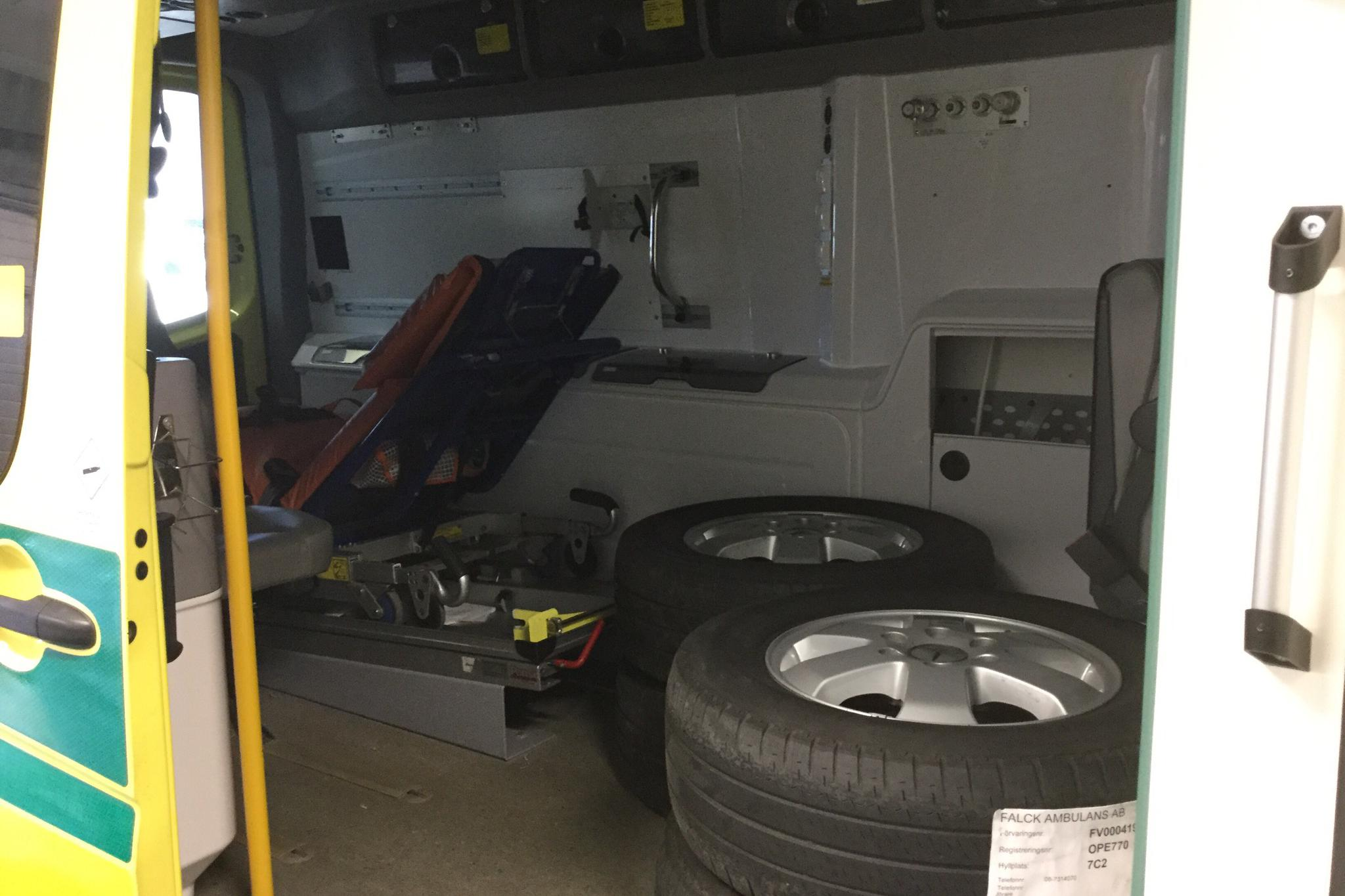 Mercedes Sprinter Ambulans 316 CDI (163hk) - 54 541 mil - Automat - gul - 2014