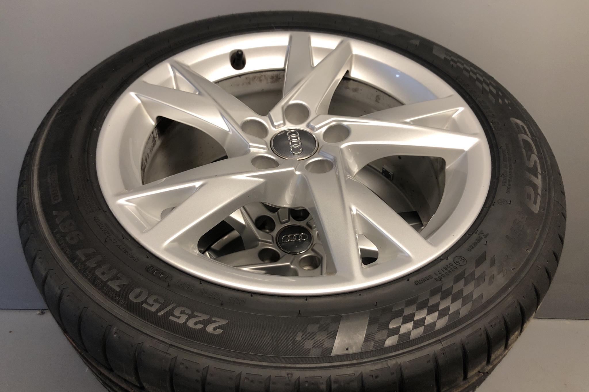 Audi A4 2.0 TDI Avant quattro (190hk) - 5 842 mil - Automat - vit - 2018