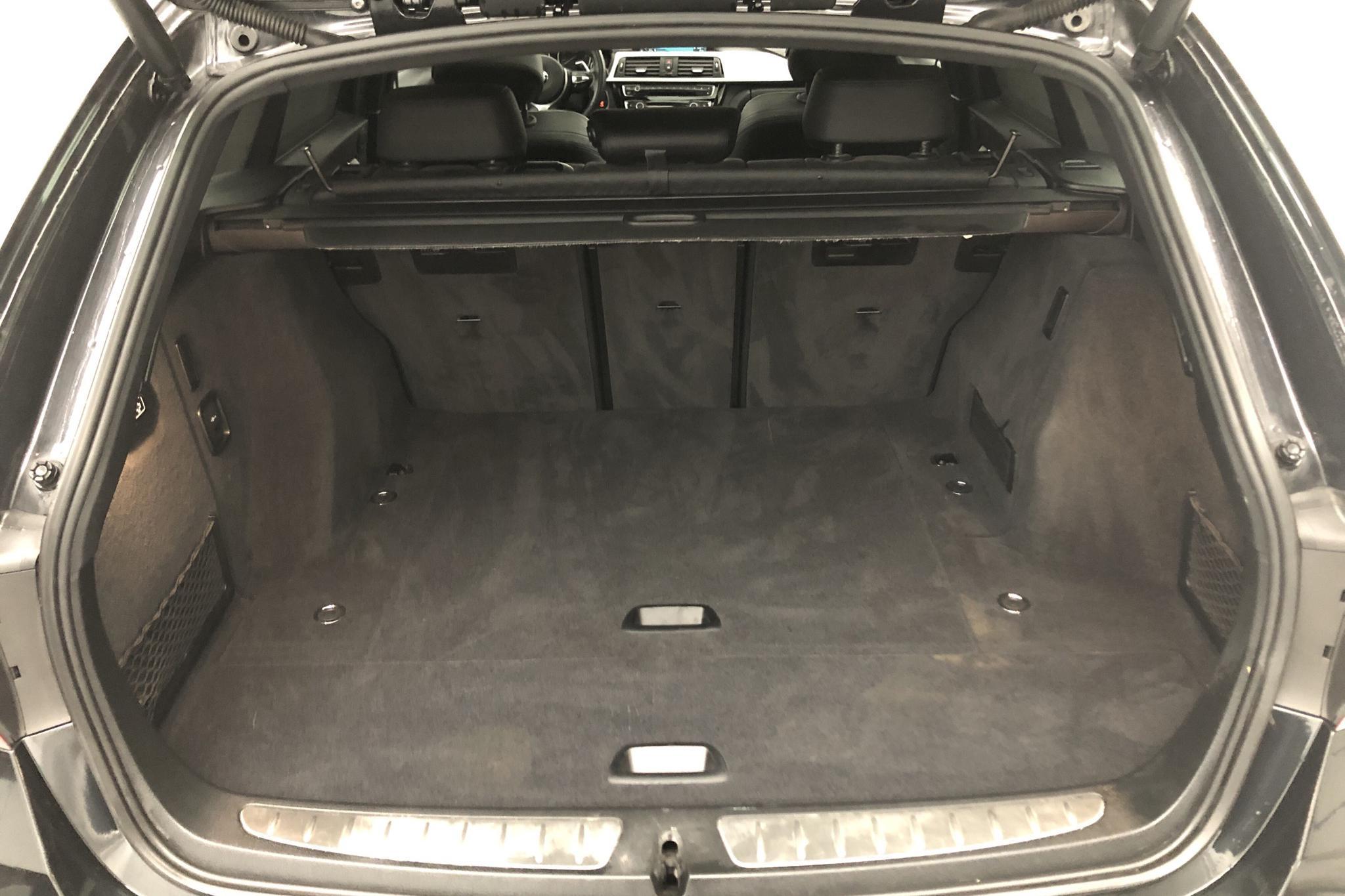 BMW 320d xDrive Touring, F31 (190hk) - 67 990 km - Automatic - black - 2017