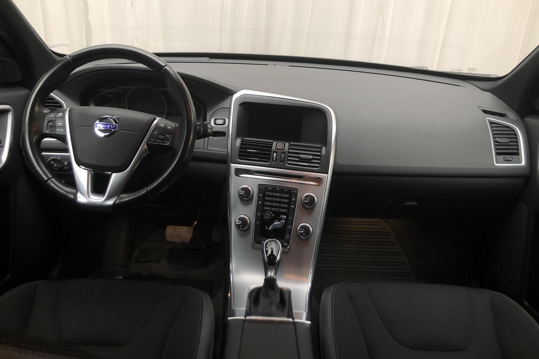 Volvo XC60 D4 AWD (190hk) - 173 910 km - Automatic - black - 2017