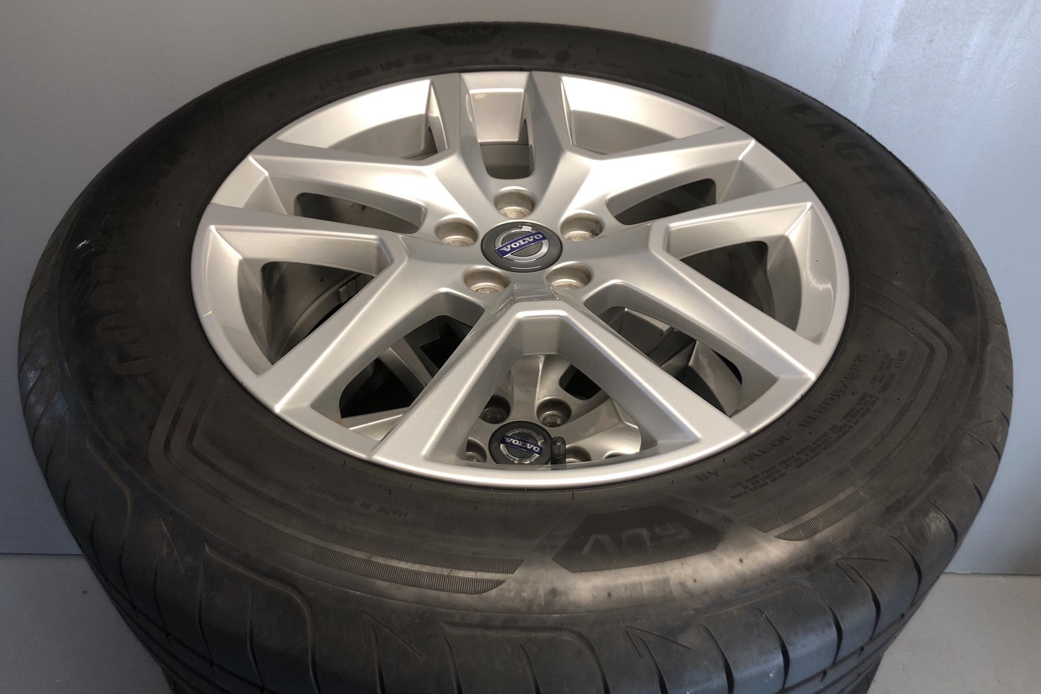 Volvo XC60 D4 AWD (190hk) - 17 391 mil - Automat - svart - 2017