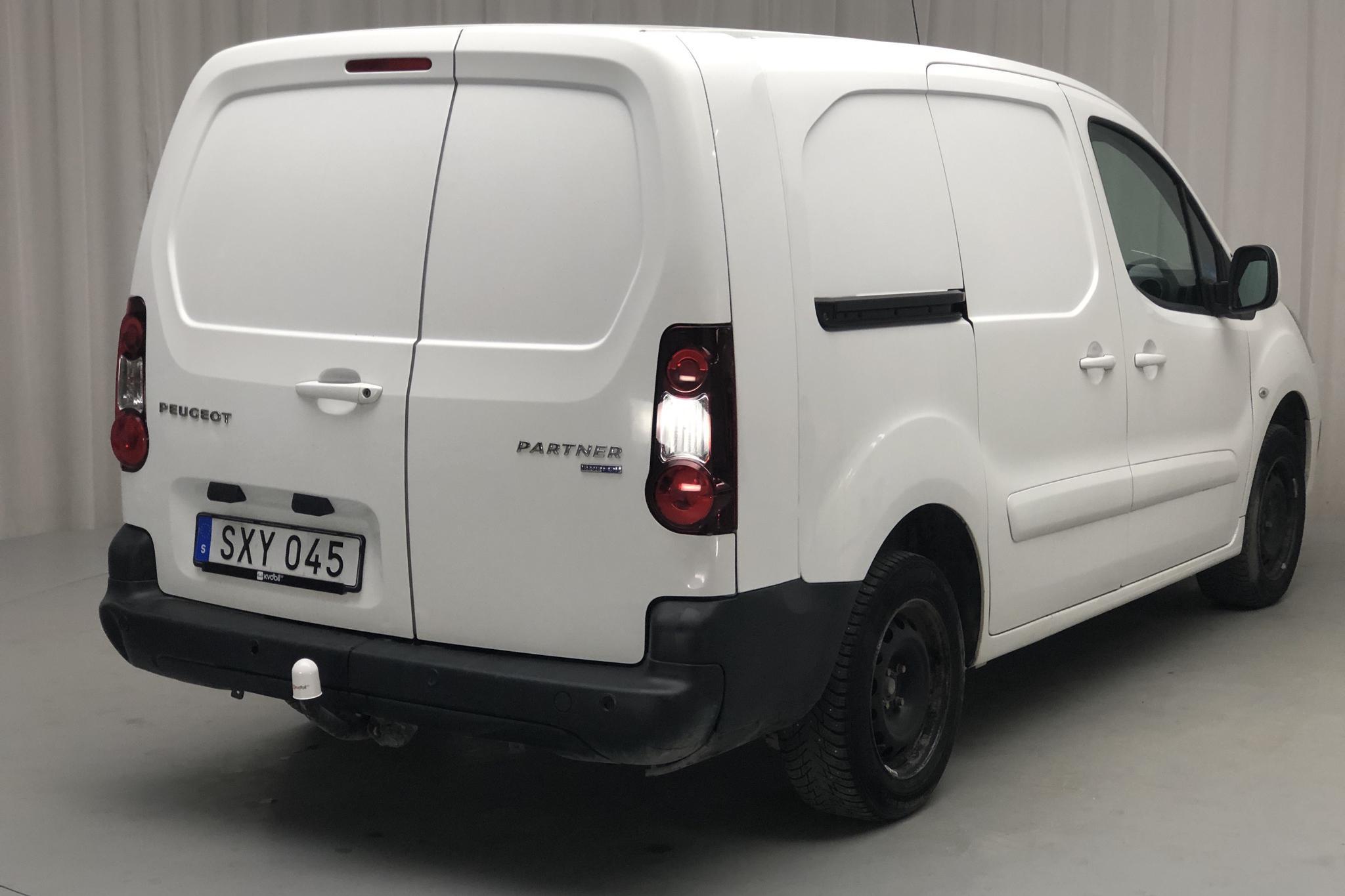 Peugeot Partner 1.6 BlueHDI Skåp (100hk) - 114 460 km - Manual - white - 2017