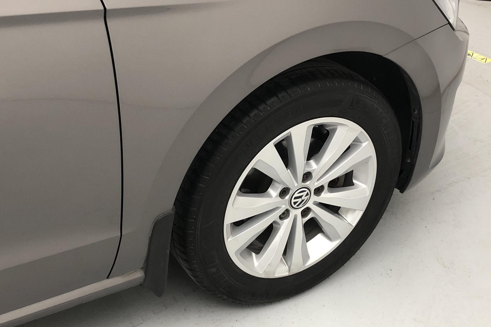 VW Golf VII 1.2 TSI BlueMotion Technology Sportsvan (110hk) - 2 708 mil - Manuell - grå - 2017