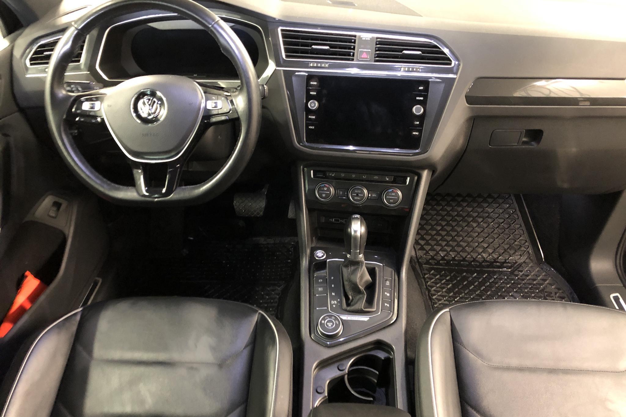 VW Tiguan 2.0 TDI 4MOTION (190hk) - 6 668 mil - Automat - svart - 2018