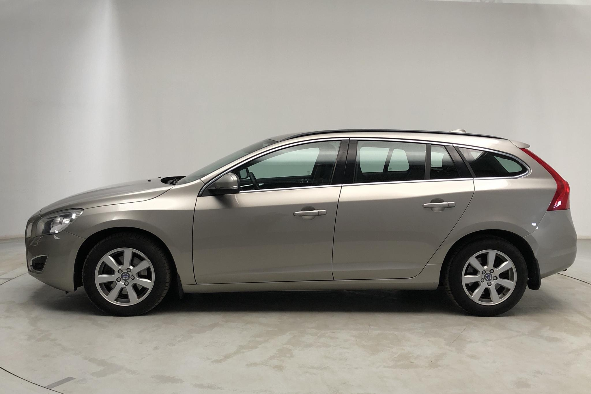 Volvo V60 D3 (163hk) - 20 011 mil - Manuell - Light Brown - 2012