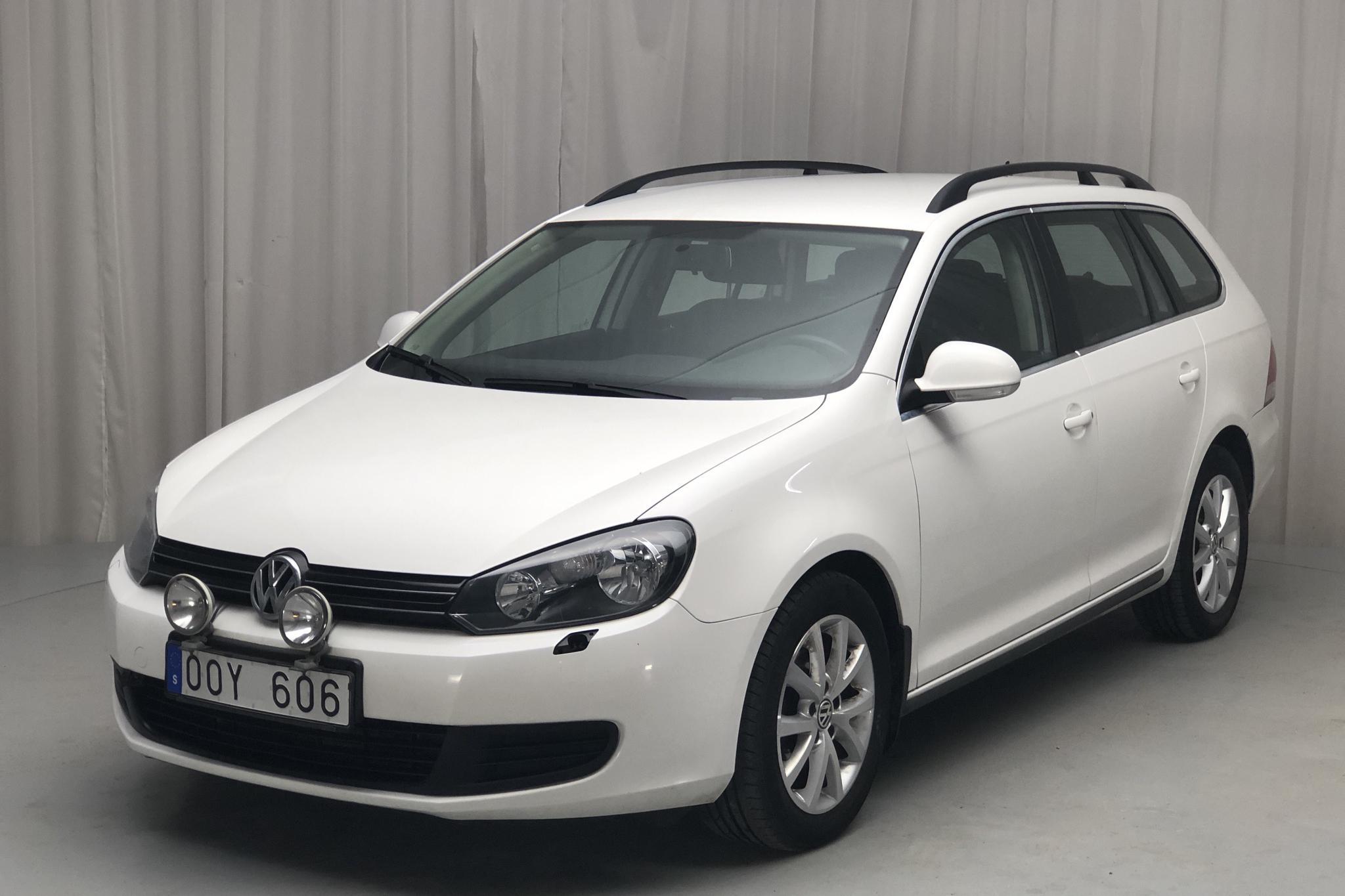 VW Golf VI 1.6 TDI BlueMotion Technology Variant (105hk) - 110 700 km - Automatic - white - 2011