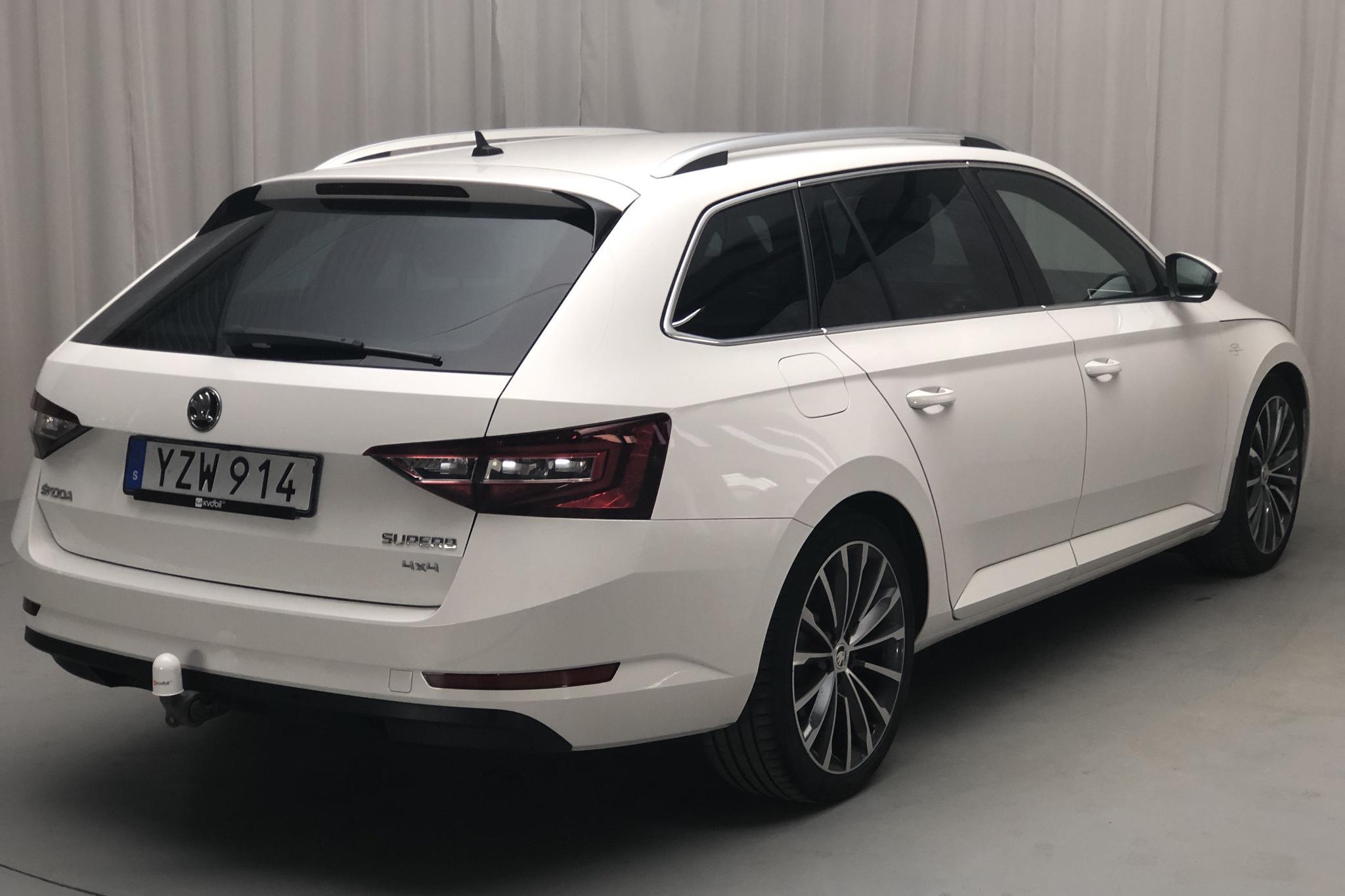 Skoda Superb 2.0 TDI 4x4 Kombi (190hk) - 154 120 km - Automatic - white - 2018