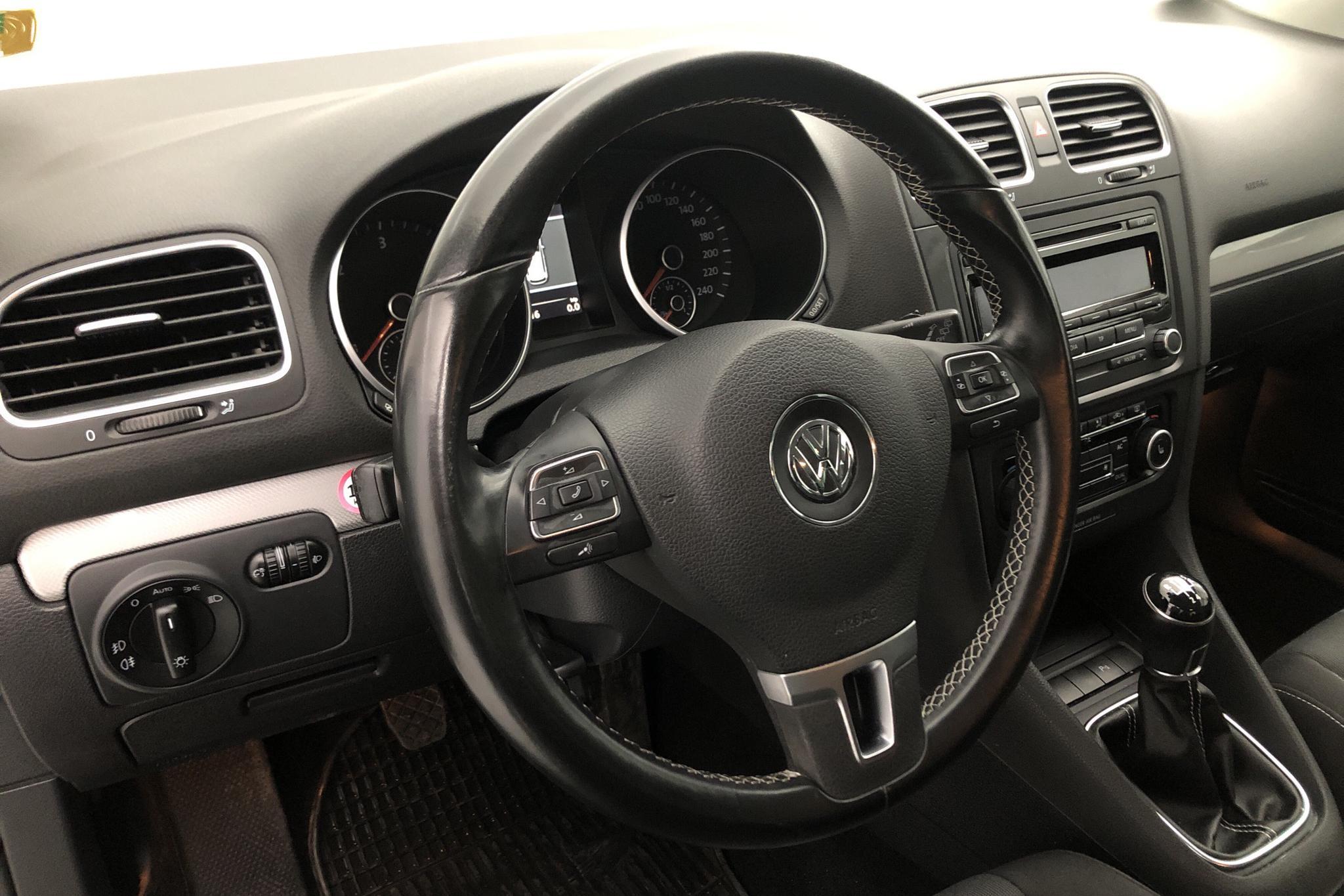 VW Golf VI 1.6 TDI BlueMotion 5dr (105hk) - 16 481 mil - Manuell - svart - 2012