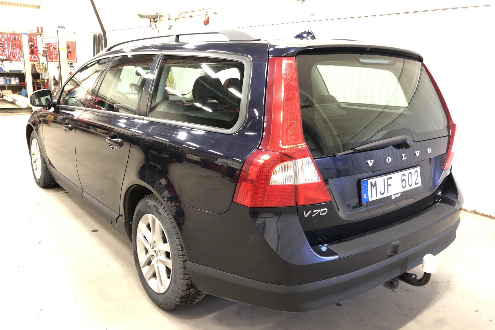 Volvo V70 II 2.4D (163hk) - 23 956 mil - Automat - Dark Blue - 2009