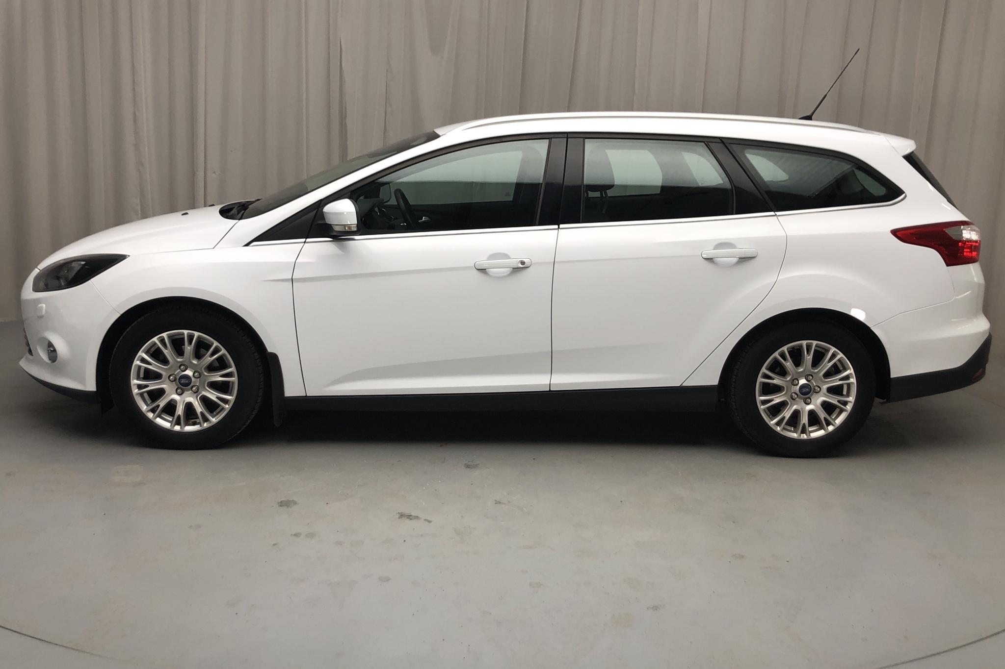 Ford Focus 1.6 TDCi Kombi (115hk) - 13 401 mil - Manuell - vit - 2011