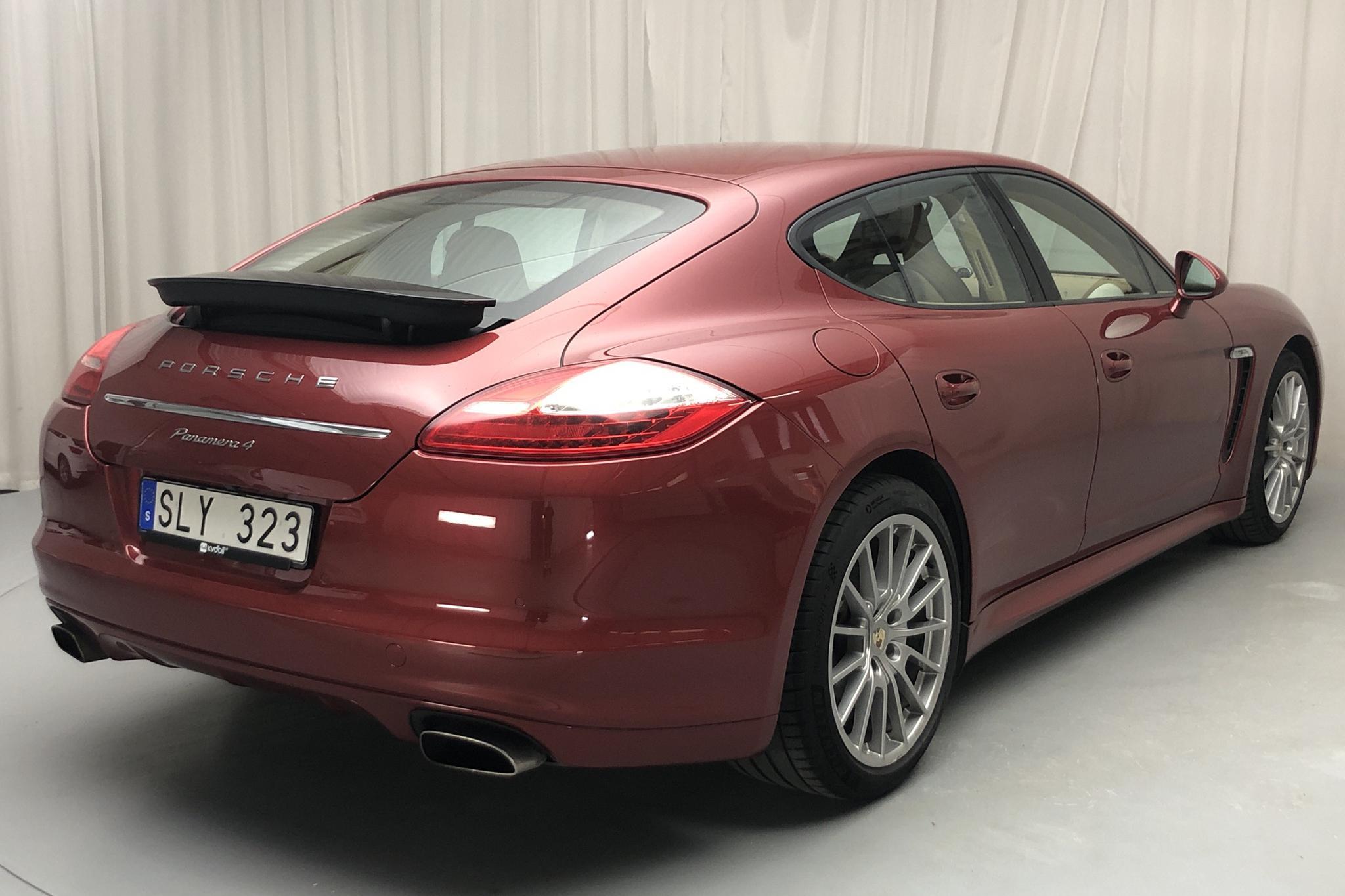 Porsche Panamera 4 (300hk) - 19 759 mil - Automat - Dark Red - 2012