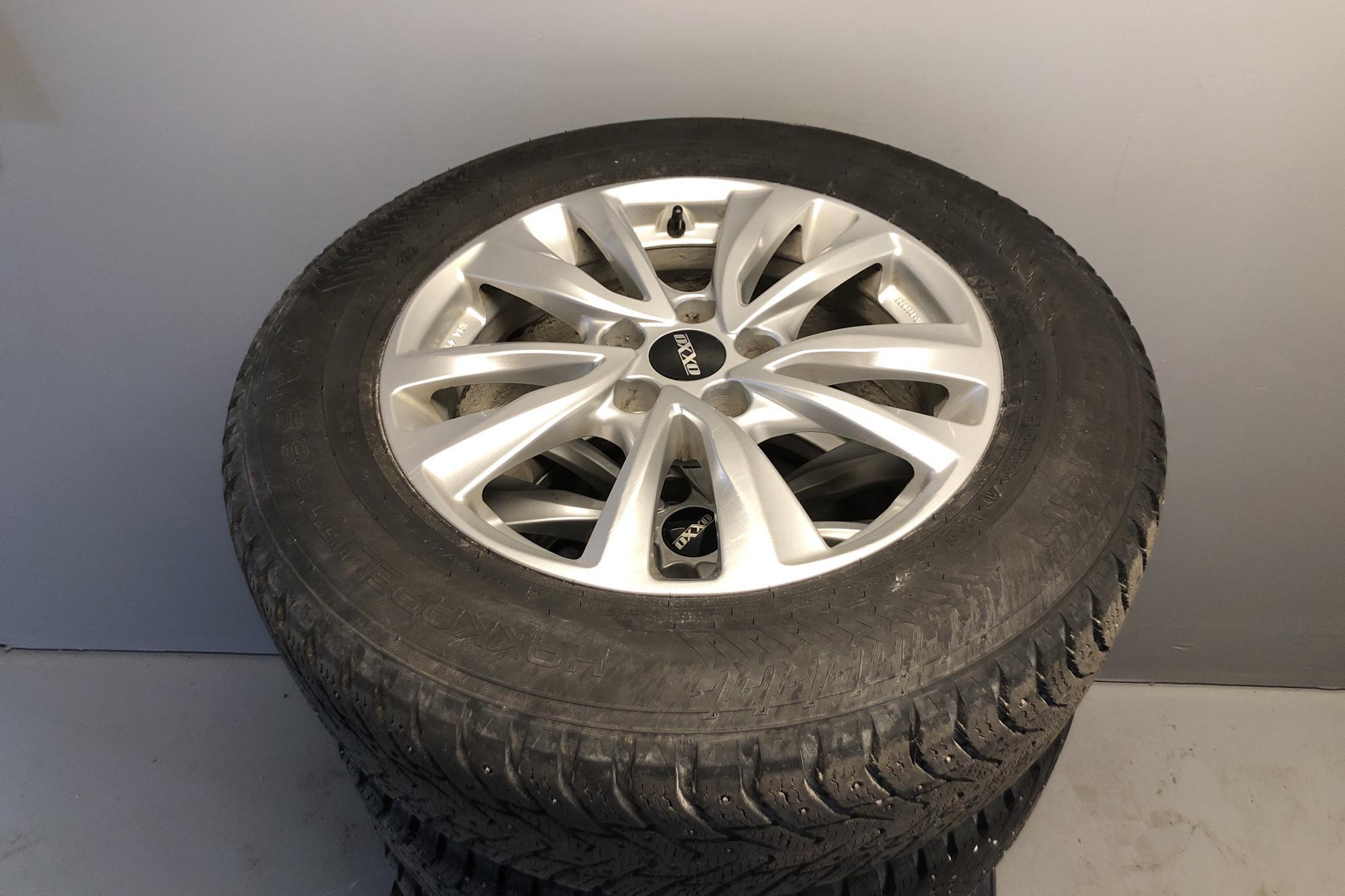 Toyota RAV4 2.0 VVT-i AWD (151hk) - 13 677 mil - Automat - vit - 2017