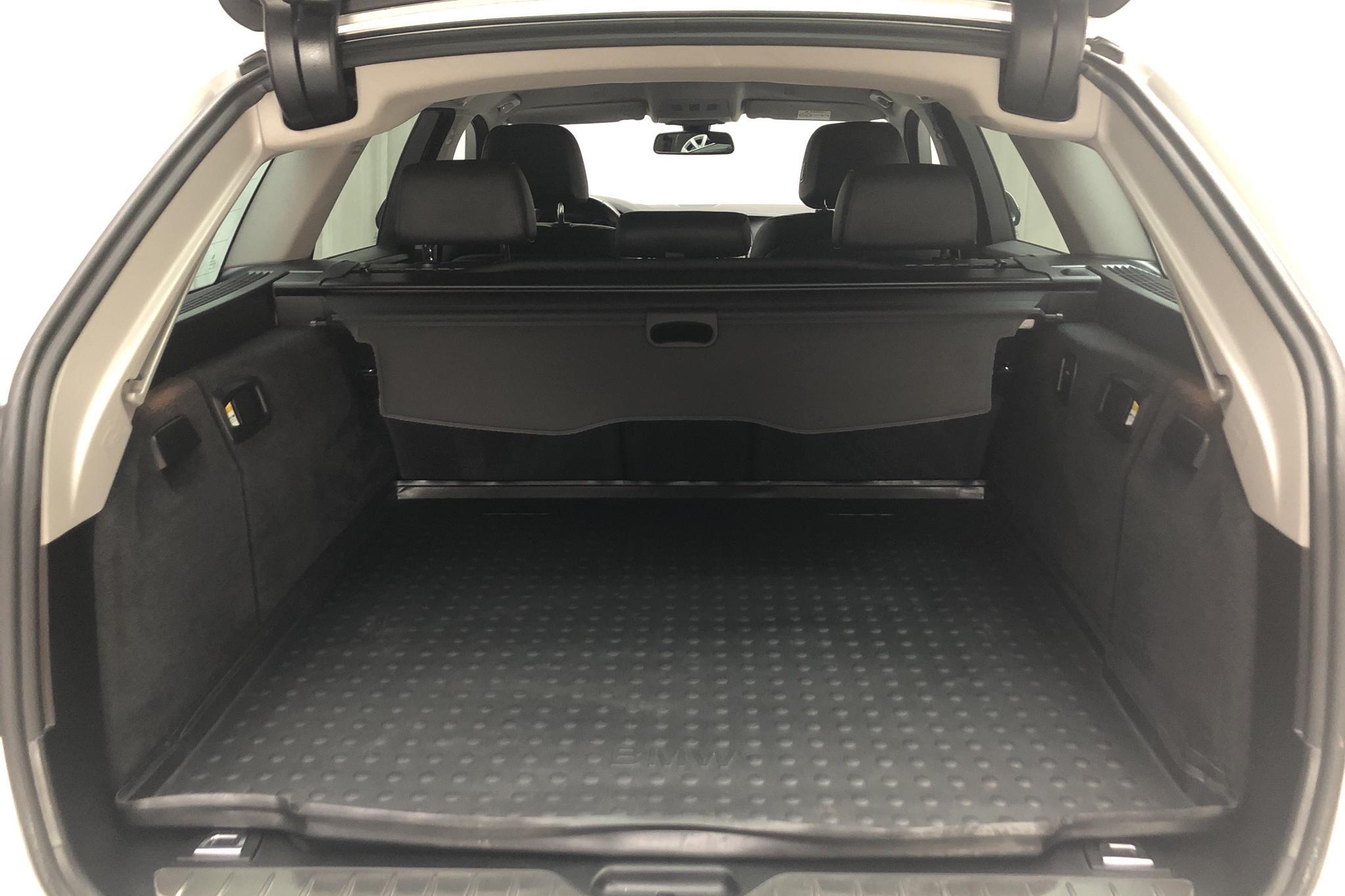 BMW 520d xDrive Touring, F11 (190hk) - 10 515 mil - Automat - vit - 2017