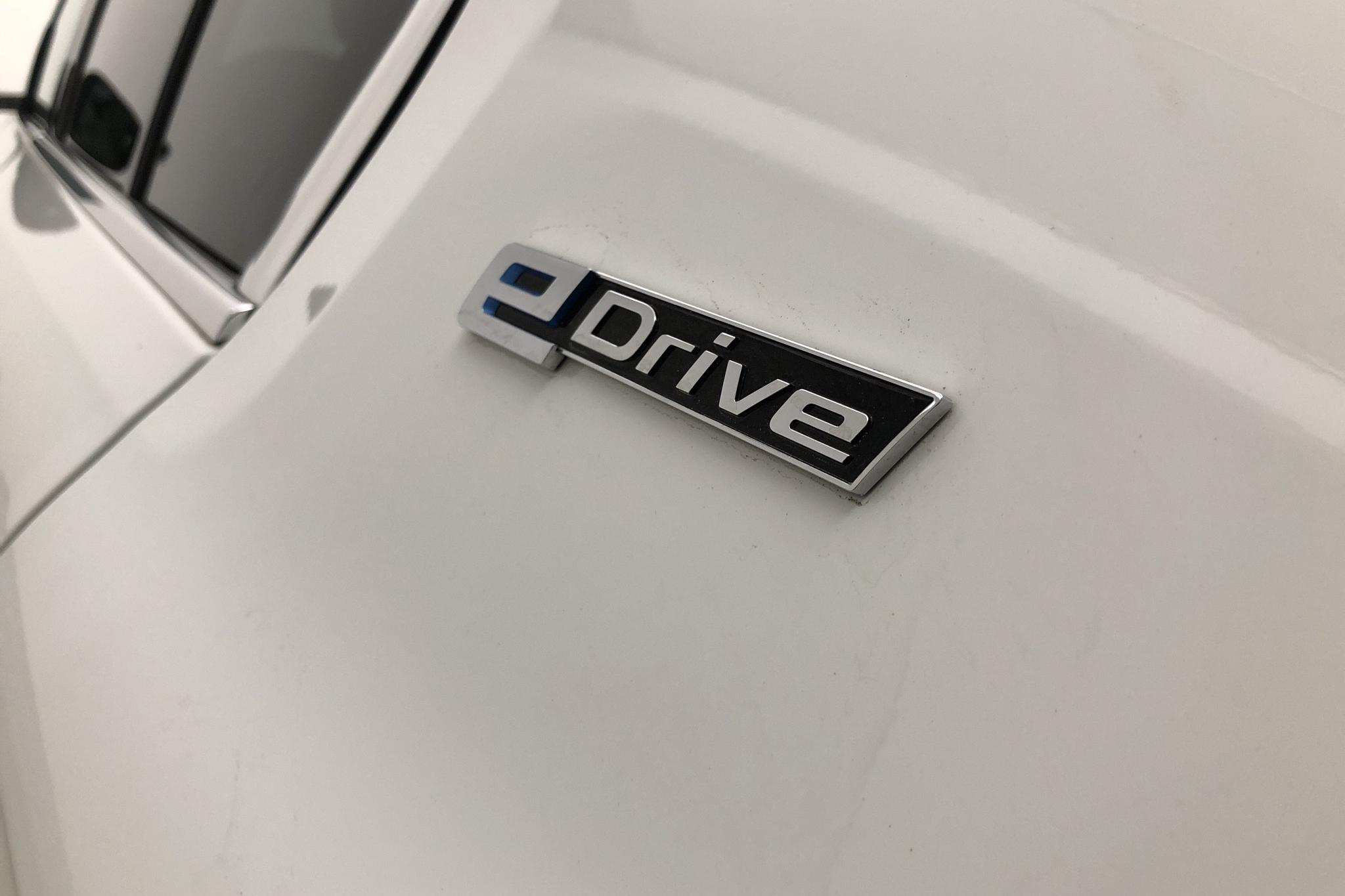 BMW 530e iPerformance Sedan, G30 (252hk) - 3 895 mil - Automat - vit - 2018