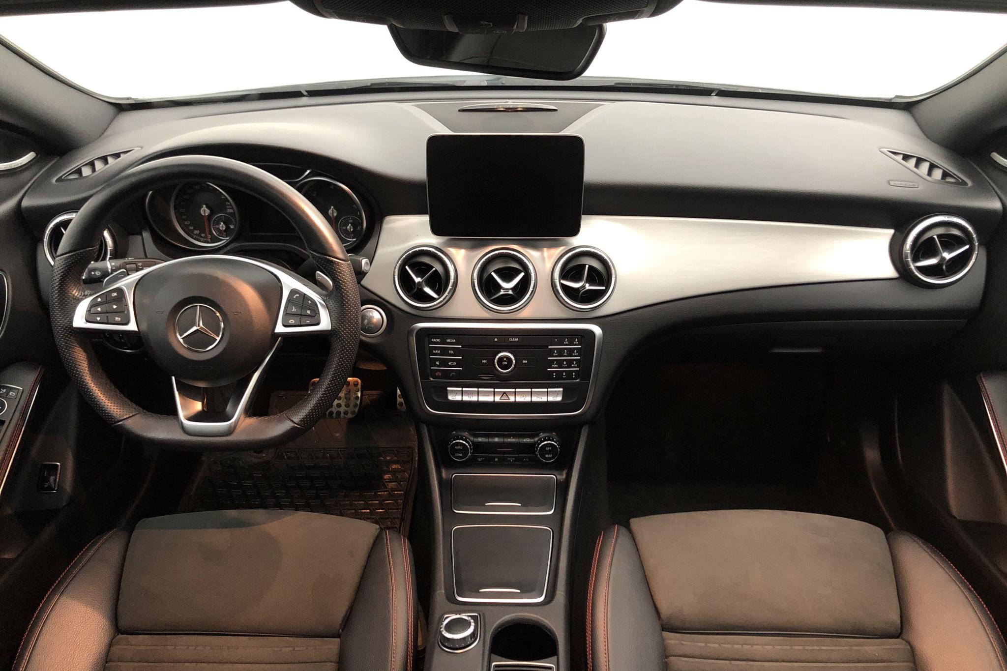 Mercedes CLA 220 d Shooting Brake X117 (170hk) - 3 605 mil - Automat - vit - 2019