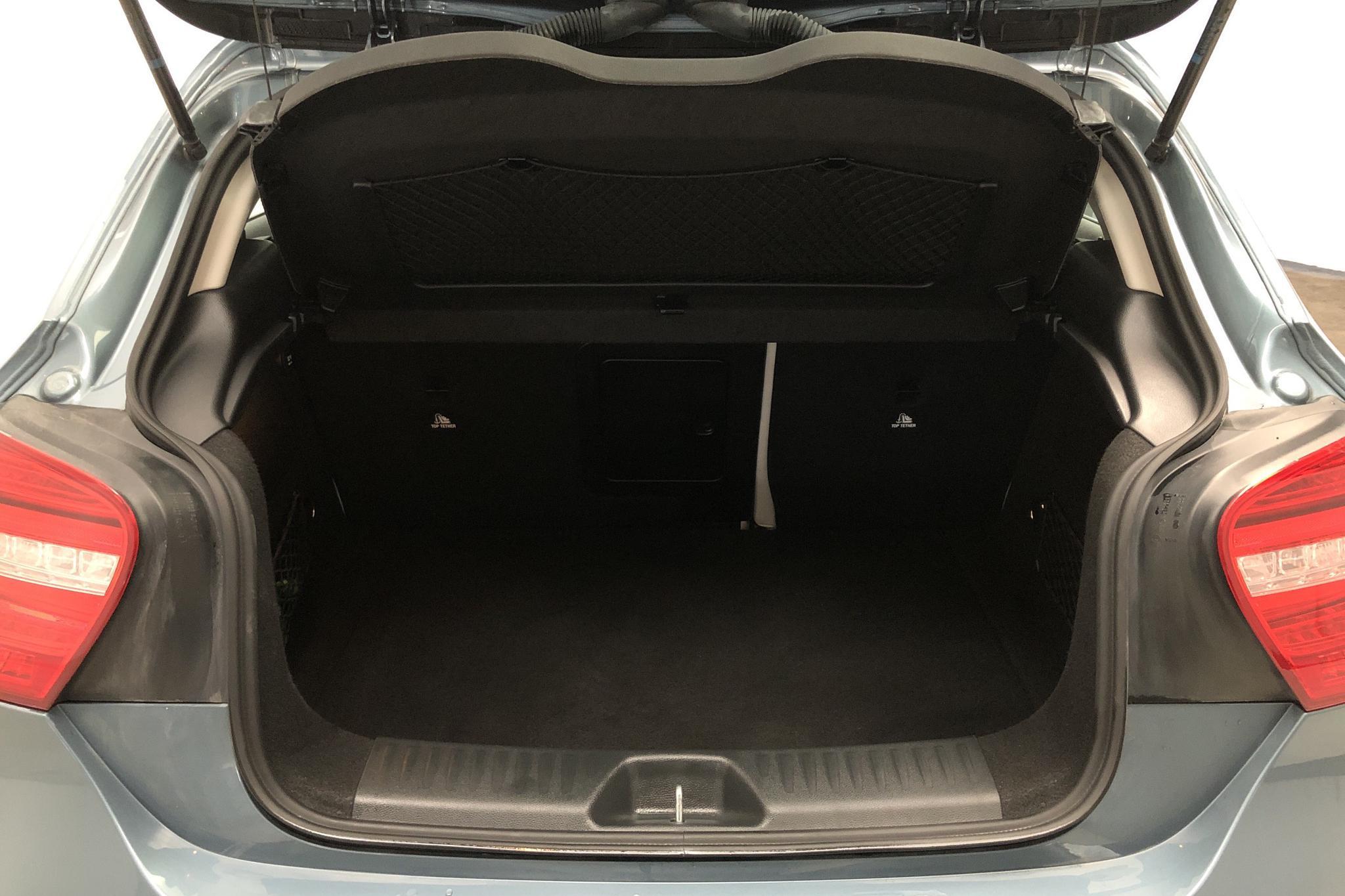 Mercedes A 180 CDI 5dr W176 (109hk) - 4 598 mil - Automat - Light Blue - 2013