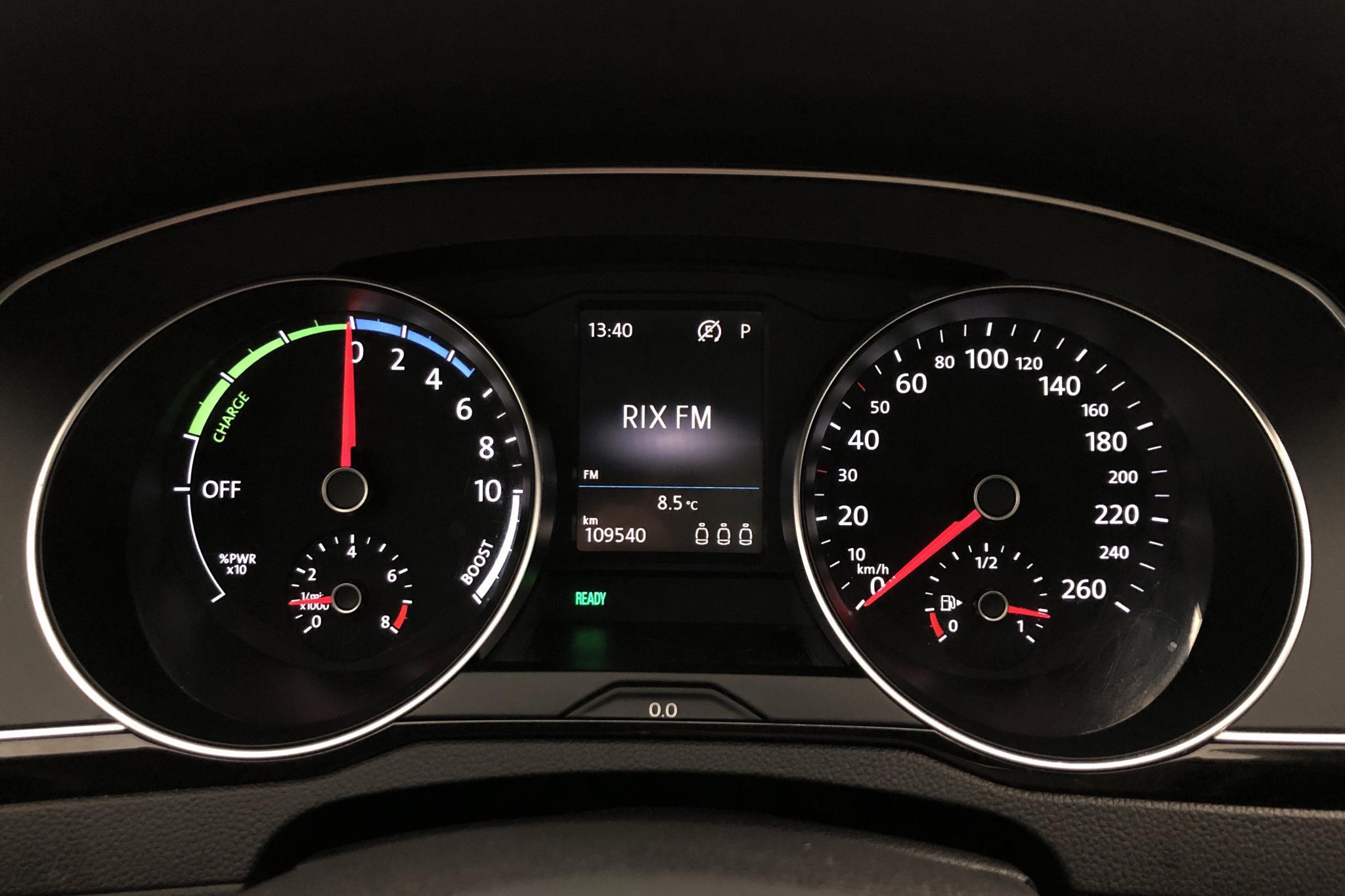 VW Passat 1.4 Plug-in-Hybrid Sportscombi (218hk) - 109 530 km - Automatic - black - 2017