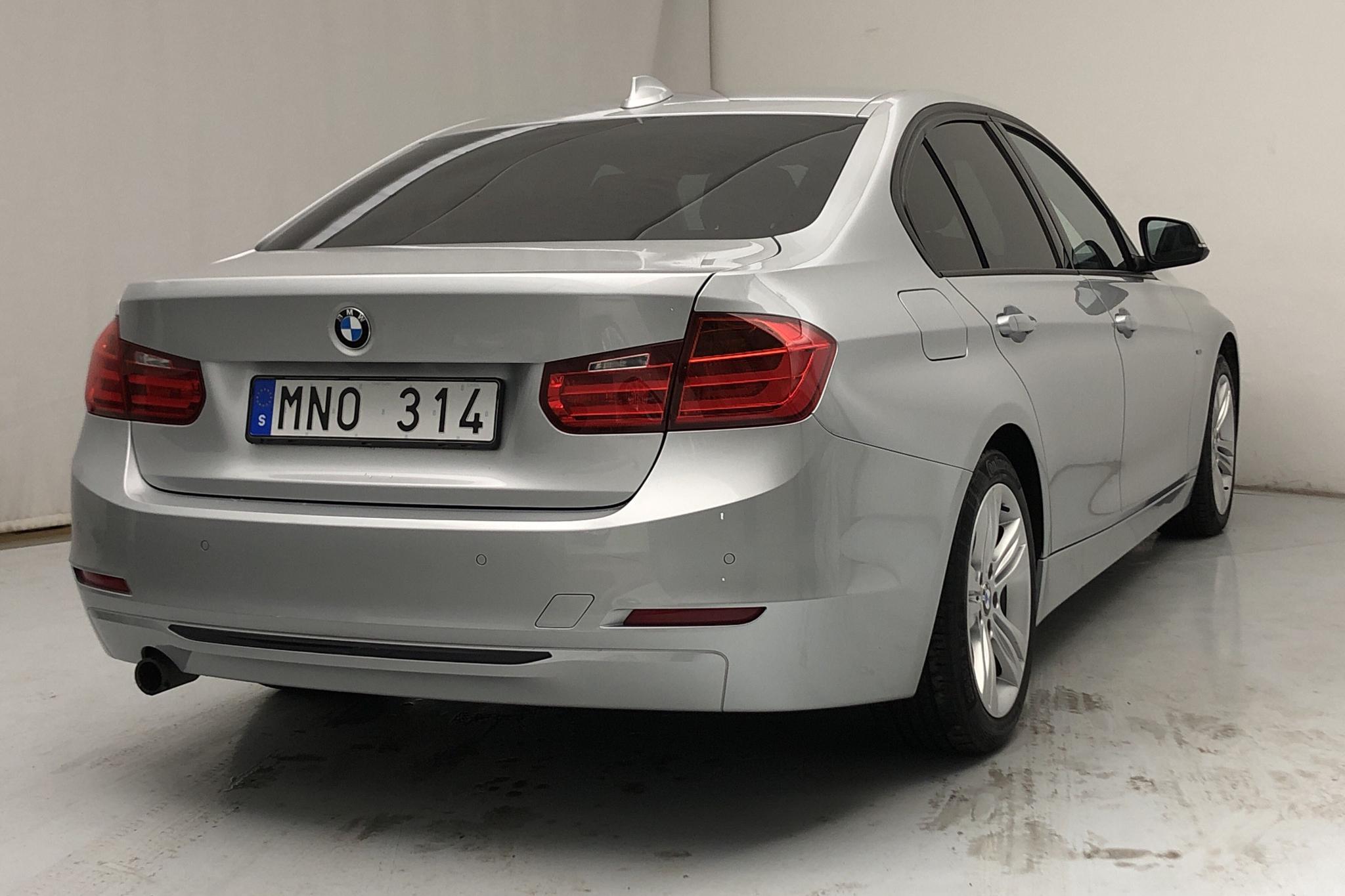 BMW 320d Sedan, F30 (184hk) - 11 041 mil - Manuell - silver - 2012