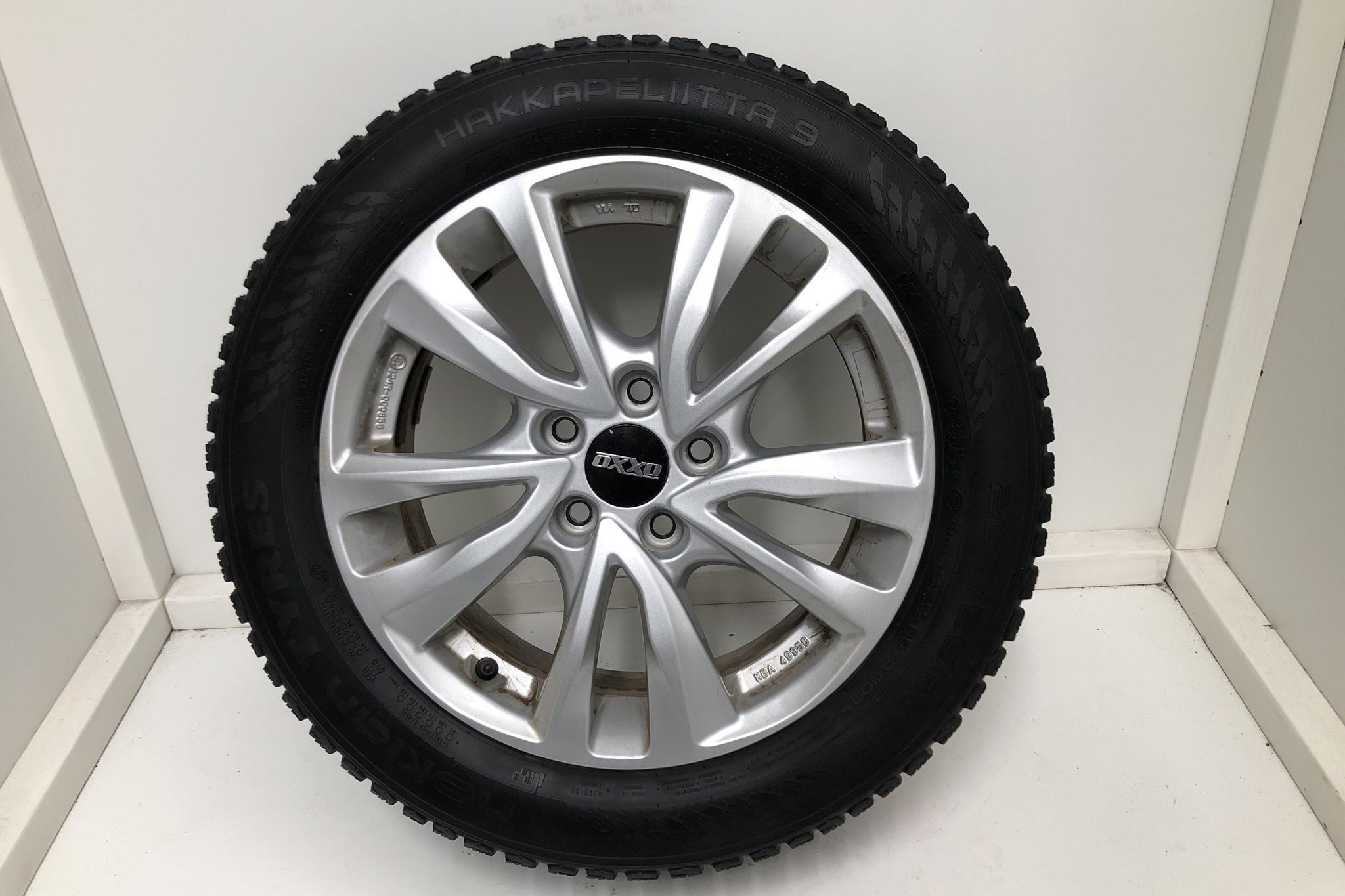 Volvo V40 D3 (150hk) - 12 648 mil - Automat - vit - 2018