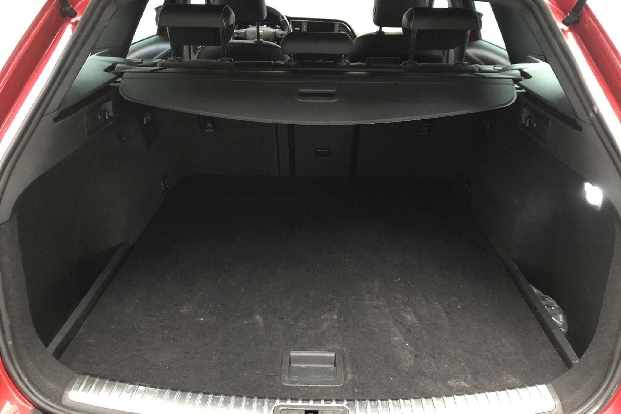 Seat Leon 2.0 TSI Cupra ST 4Drive (300hk) - 5 756 mil - Automat - röd - 2019