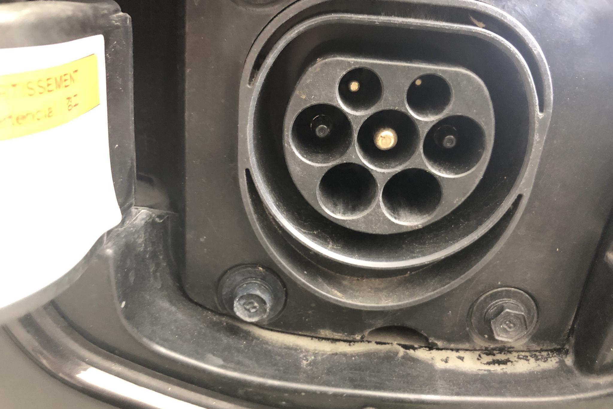 KIA Niro Plug-in Hybrid 1.6 (141hk) - 3 373 mil - Automat - brun - 2019