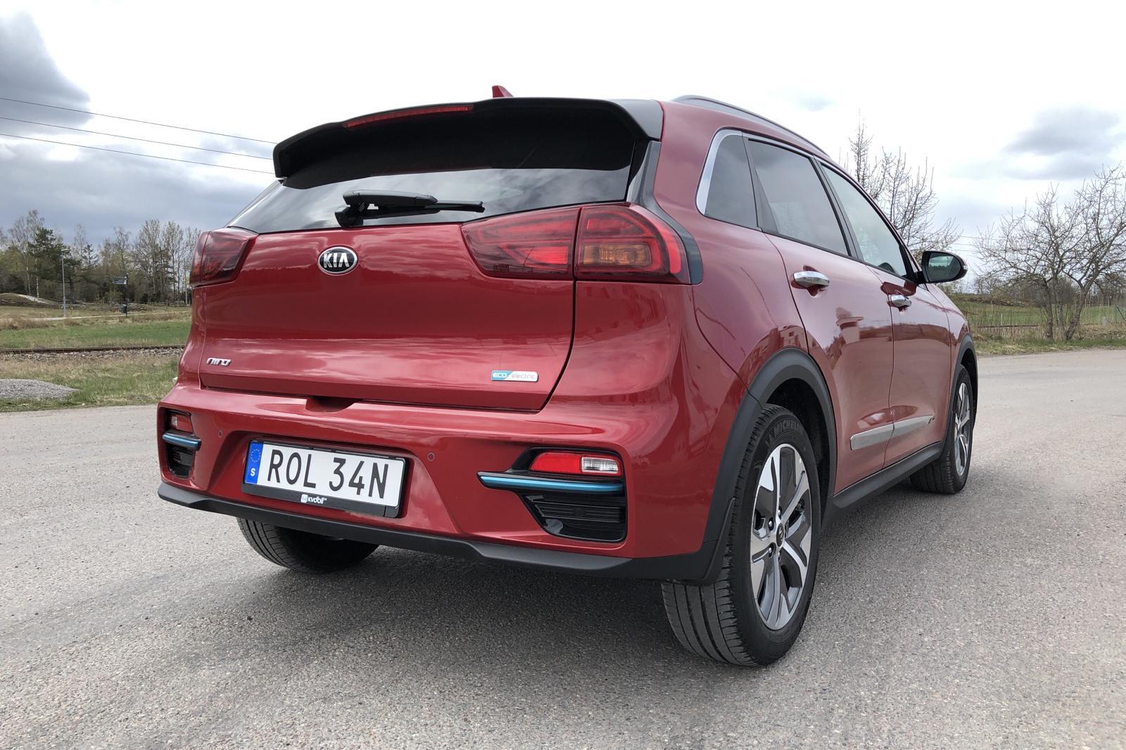 KIA Niro EV 64 kWh (204hk) - 877 mil - Automat - röd - 2020