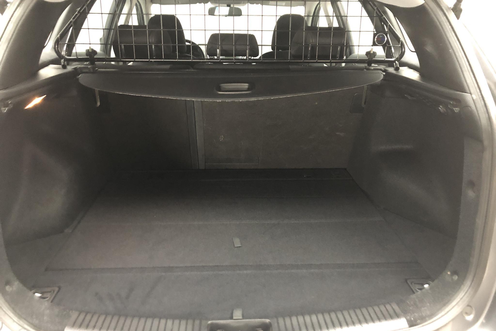 Hyundai i30 1.6 CRDi Kombi (110hk) - 104 980 km - Manual - gray - 2014