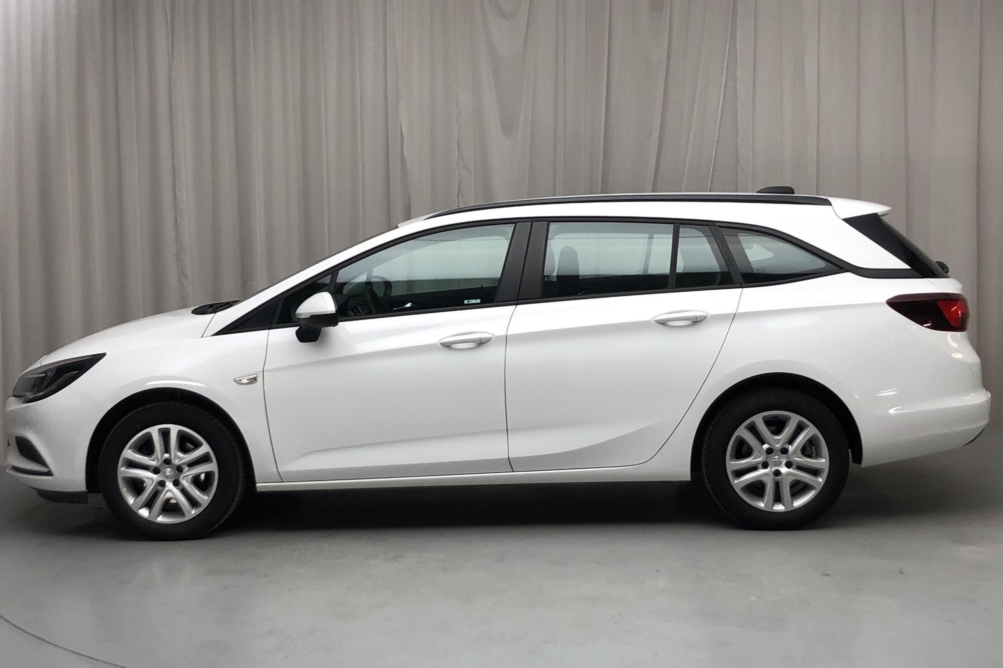 Opel Astra 1.6 CDTI ECOTEC SportsTourer (136hk) - 43 270 km - Automatic - white - 2017