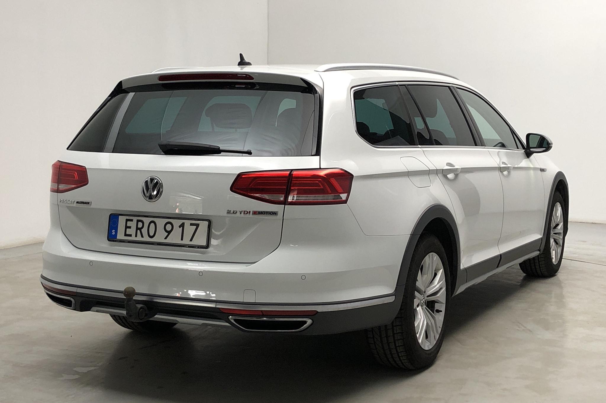 VW Passat Alltrack 2.0 TDI Sportscombi 4MOTION (190hk) - 9 081 mil - Automat - vit - 2017
