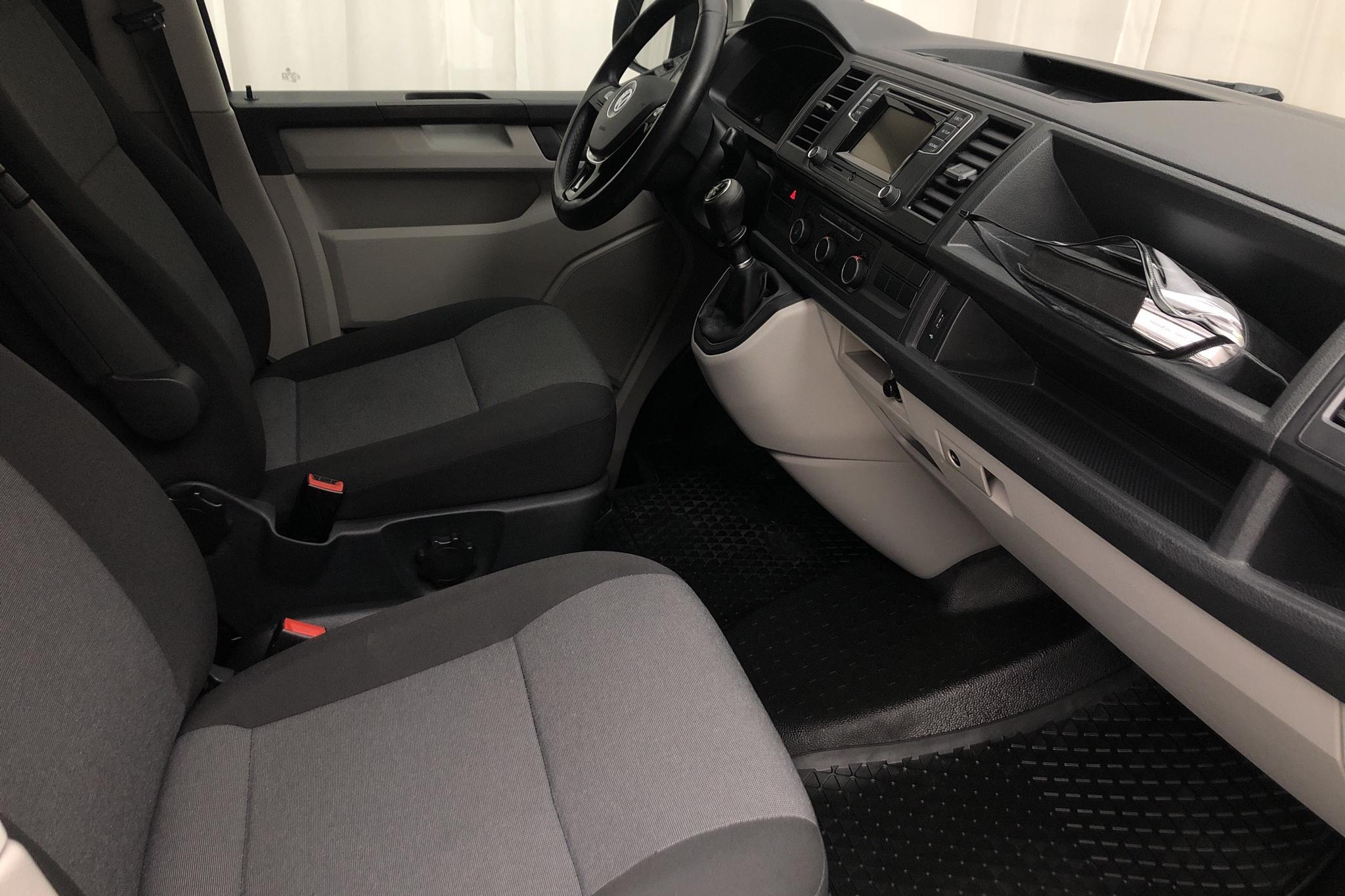 VW Transporter T6 2.0 TDI BMT Skåp (150hk) - 12 639 mil - Manuell - vit - 2017