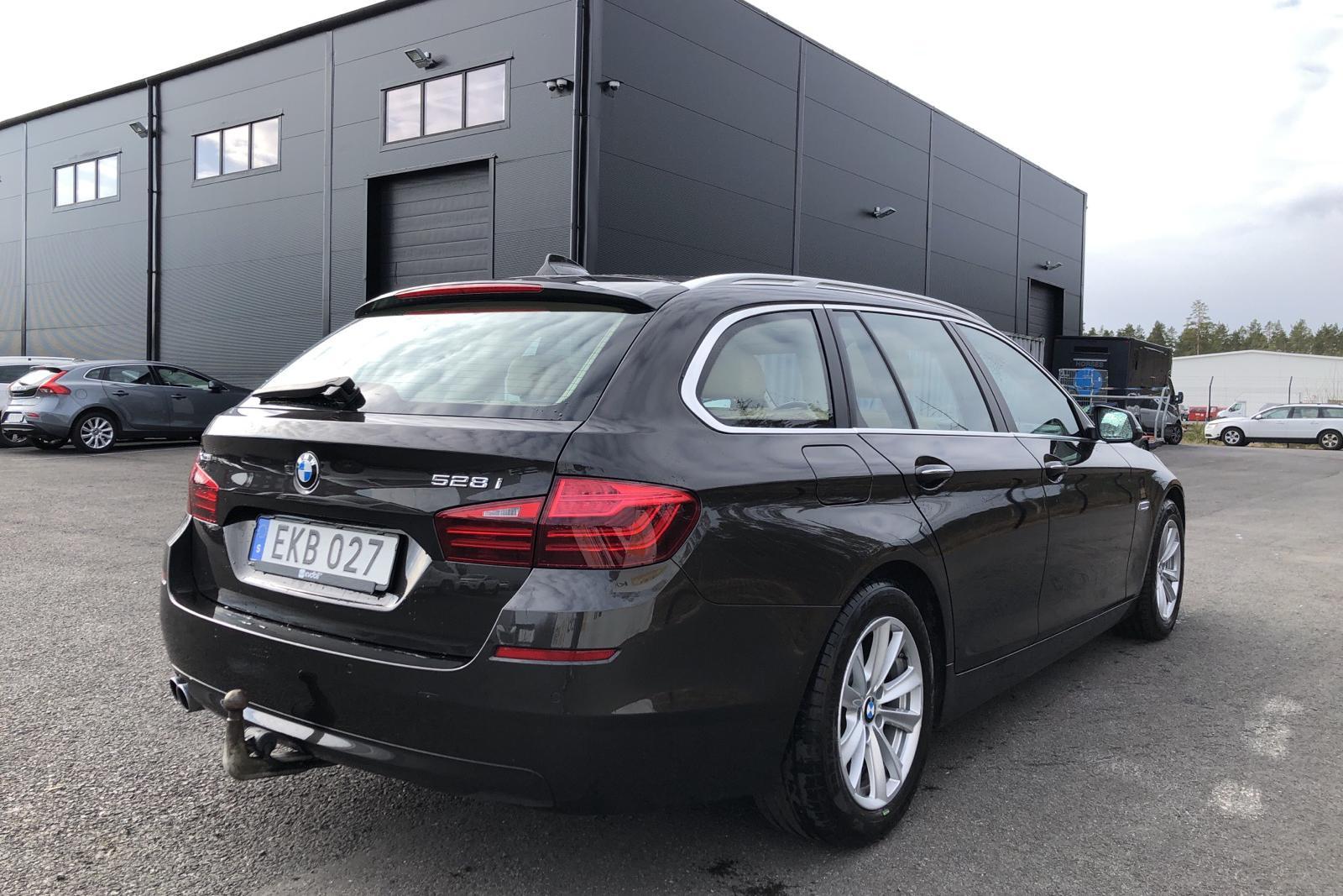 BMW 528i xDrive Touring, F11 (245hk) - 7 702 mil - Automat - brun - 2016