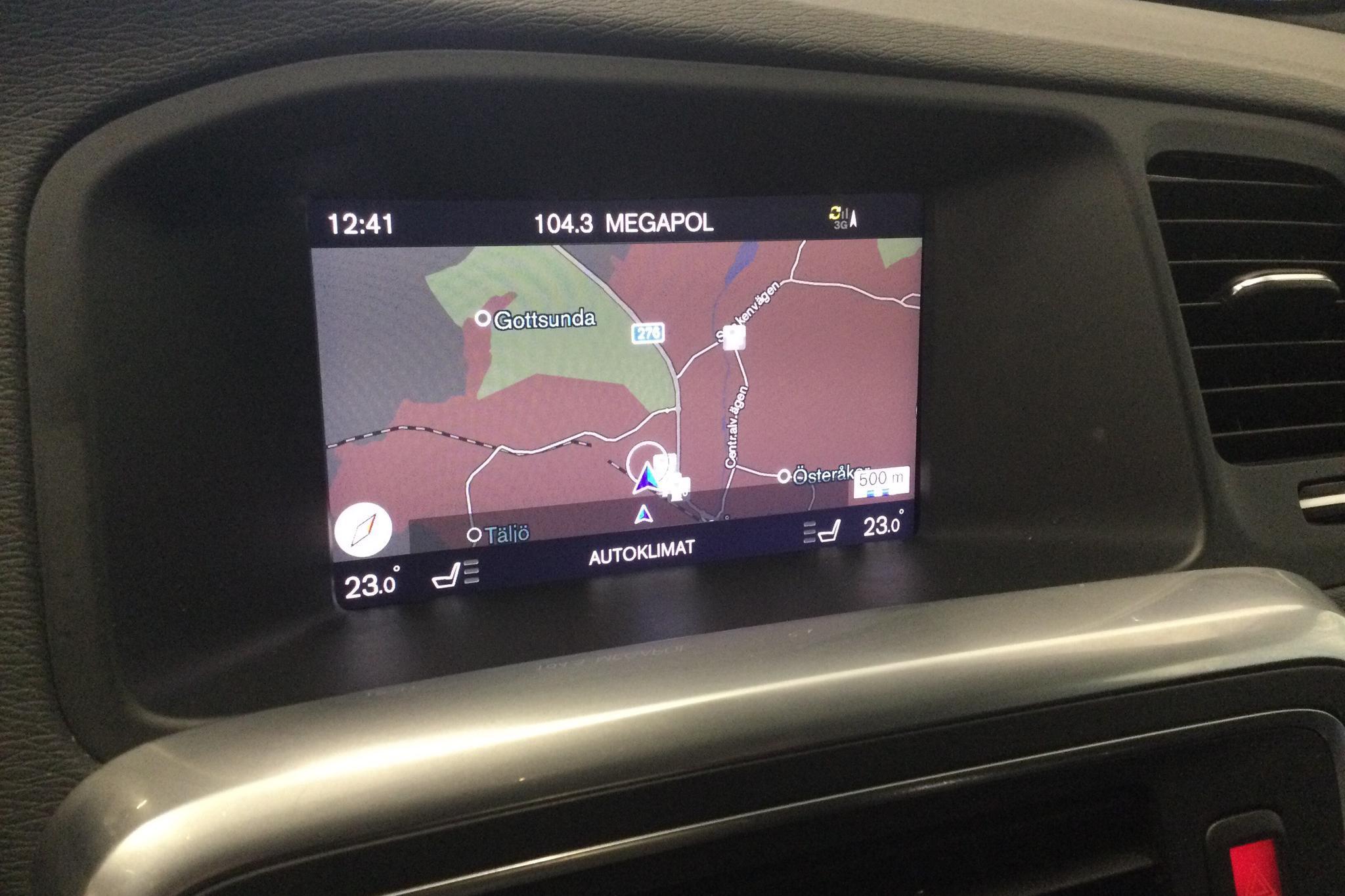 Volvo V60 D4 Cross Country AWD (190hk) - 14 441 mil - Automat - vit - 2018
