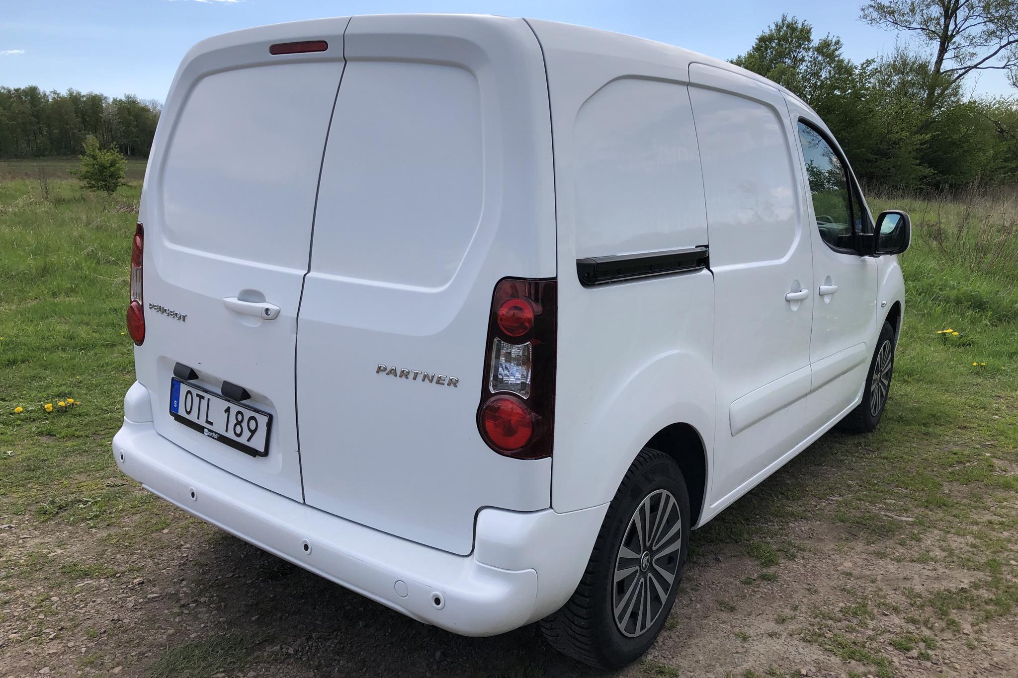Peugeot Partner 1.6 BlueHDI Skåp (100hk) - 117 370 km - Manual - white - 2017