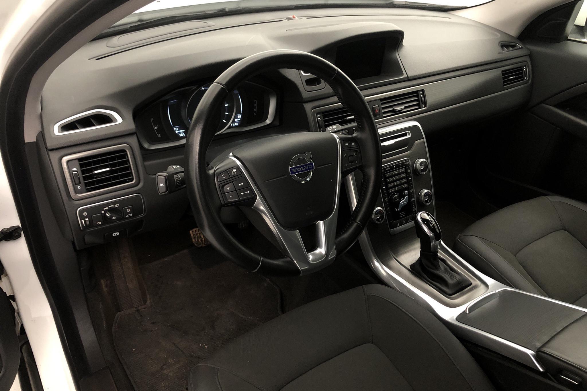 Volvo XC70 II D4 AWD (181hk) - 9 073 mil - Automat - vit - 2016