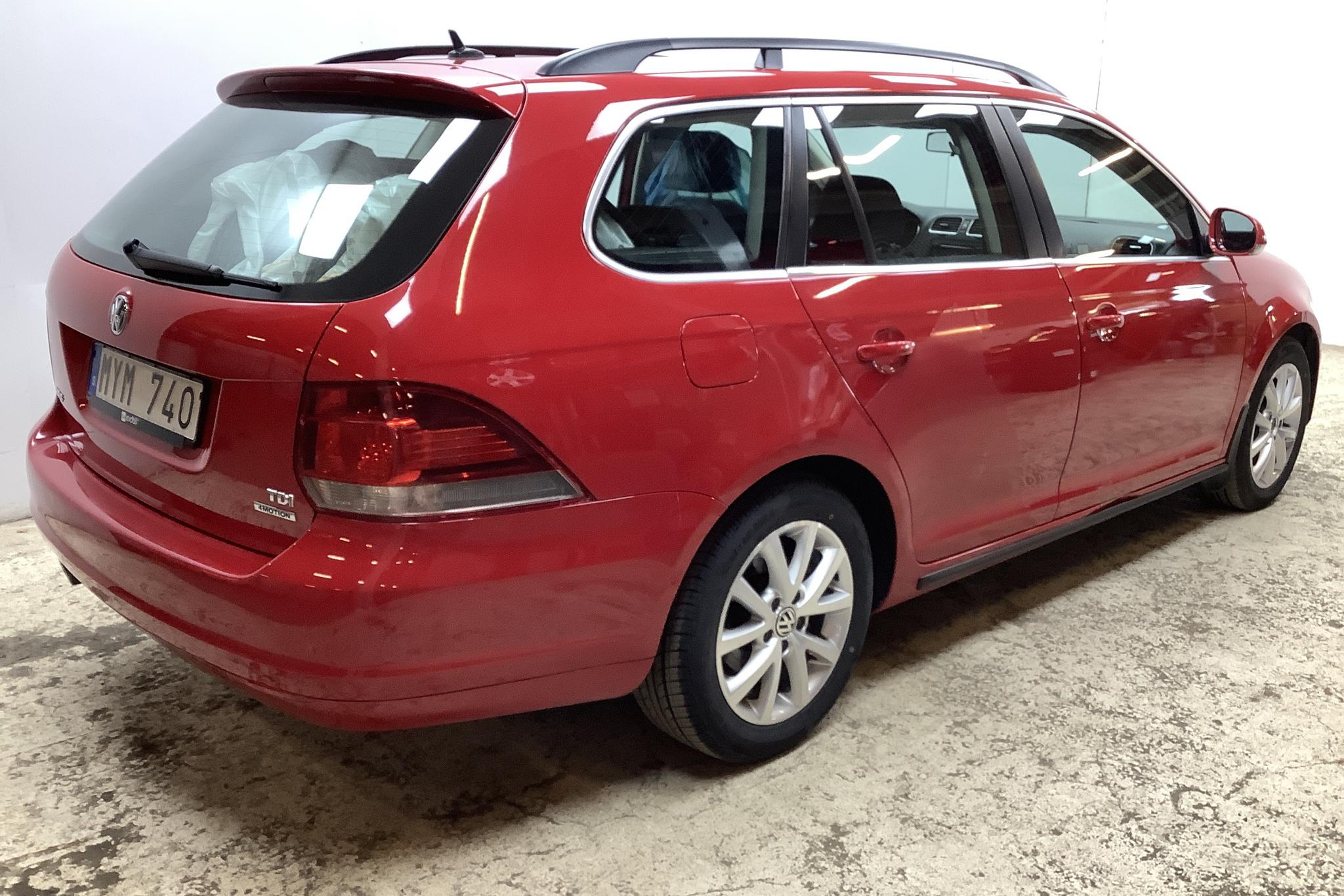VW Golf VI 1.6 TDI Variant 4motion (105hk) - 106 670 km - Manual - red - 2013